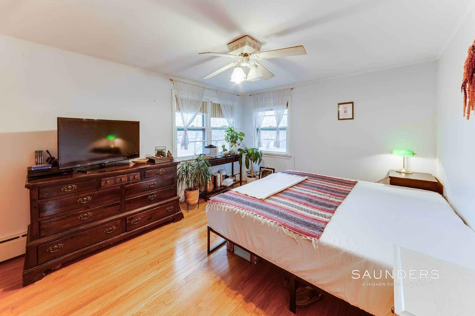 9. Single Family Homes for Sale at Montauk Hilltop 144 South Essex Street, Montauk, East Hampton Town, NY 11954
