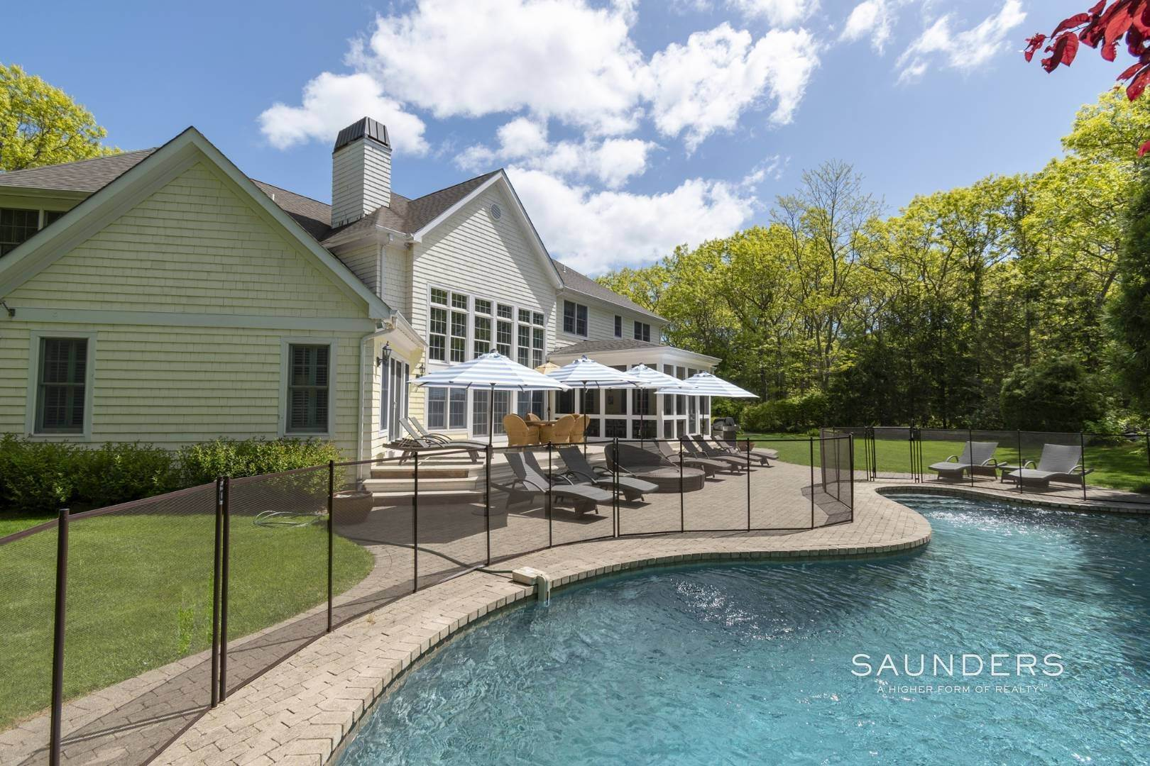 25. Single Family Homes for Sale at East Hampton Gated With Pool On 2 Acres 13 Old Hollow Lane, East Hampton, East Hampton Town, NY 11937