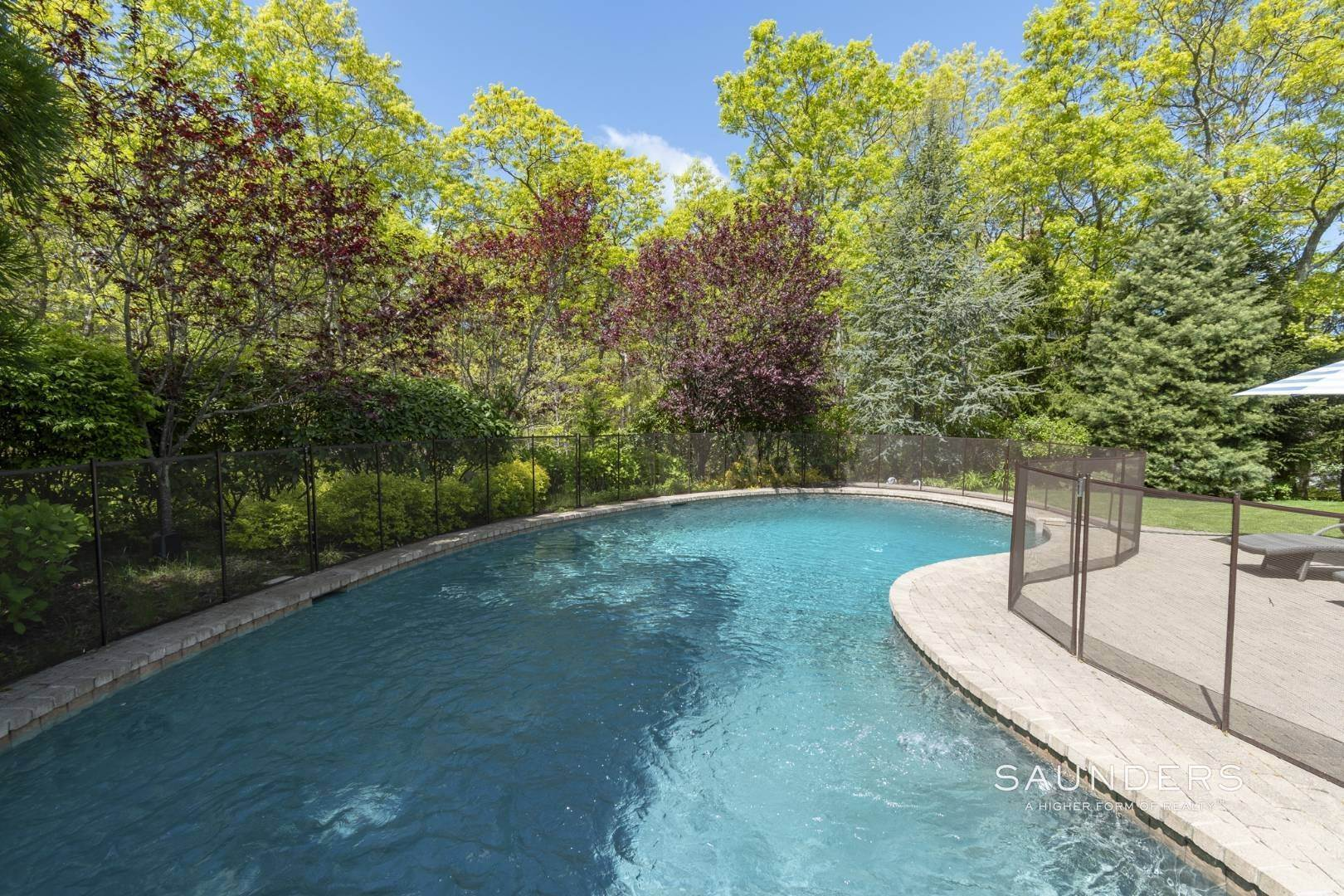 26. Single Family Homes for Sale at East Hampton Gated With Pool On 2 Acres 13 Old Hollow Lane, East Hampton, East Hampton Town, NY 11937