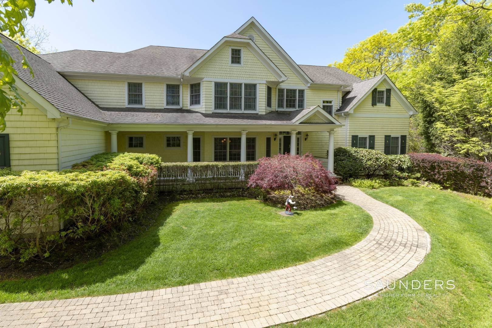 2. Single Family Homes for Sale at East Hampton Gated With Pool On 2 Acres 13 Old Hollow Lane, East Hampton, East Hampton Town, NY 11937