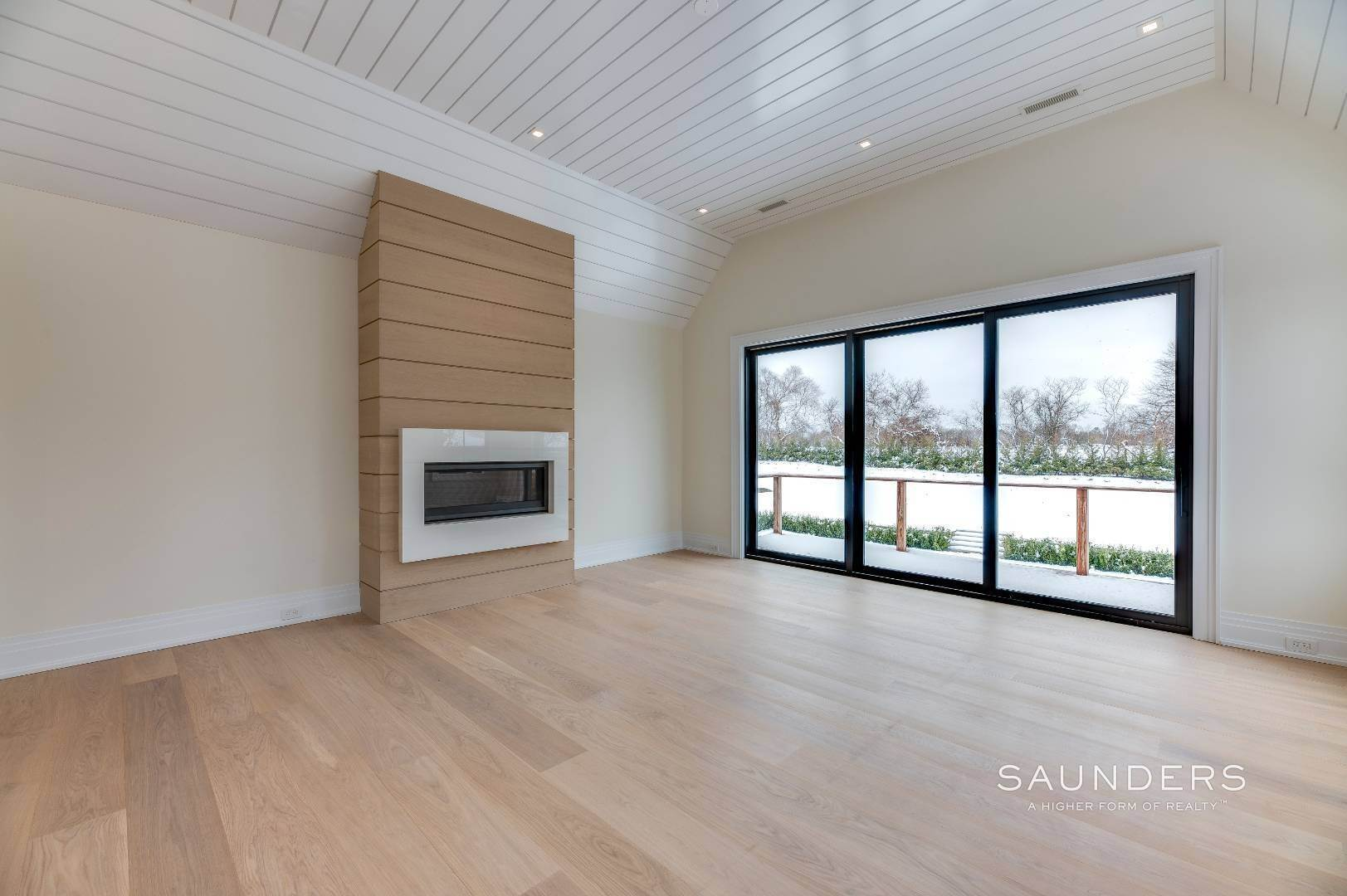 15. Single Family Homes for Sale at Southampton South New Construction With Tennis 71 Flying Point Road, Southampton, Southampton Town, NY 11968