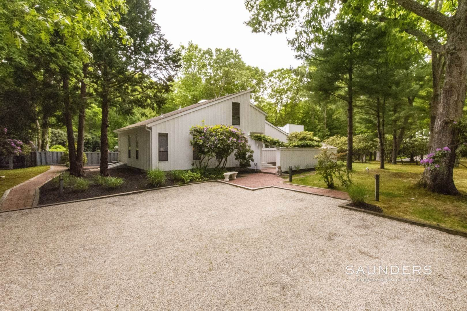 3. Single Family Homes at No Beach Pass Needed! Pristine Beach House Work And Play 2 Hedges Banks Drive, East Hampton, East Hampton Town, NY 11937