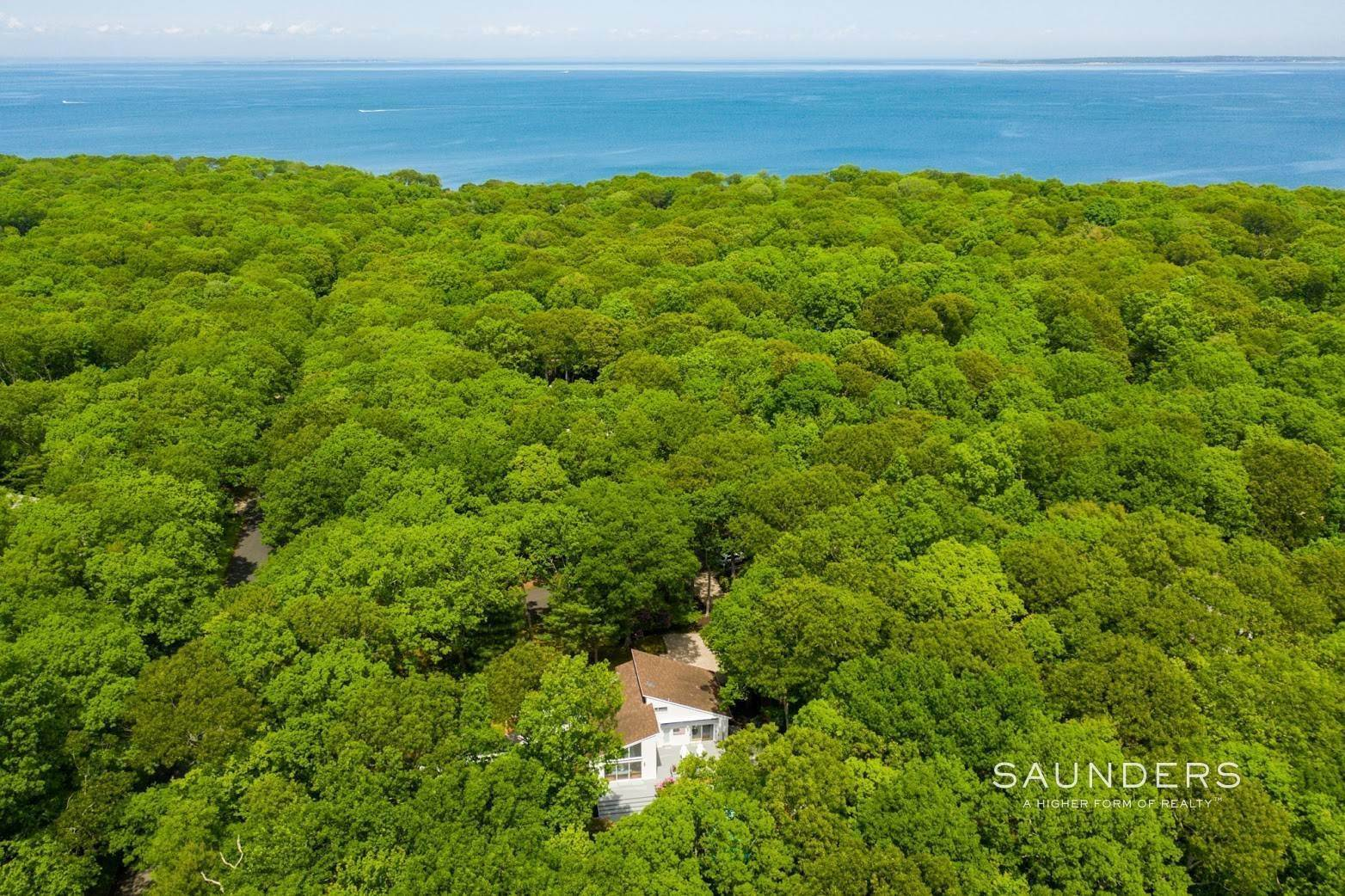 4. Single Family Homes at No Beach Pass Needed! Pristine Beach House Work And Play 2 Hedges Banks Drive, East Hampton, East Hampton Town, NY 11937