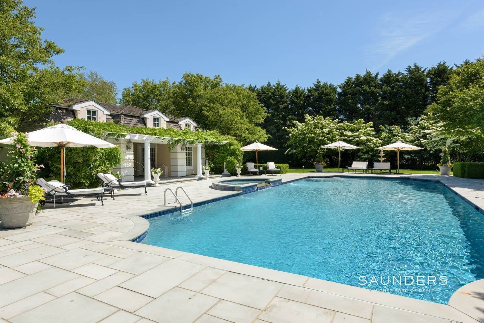 4. Single Family Homes at Magnificent Southampton Estate Southampton, Southampton Town, NY 11968
