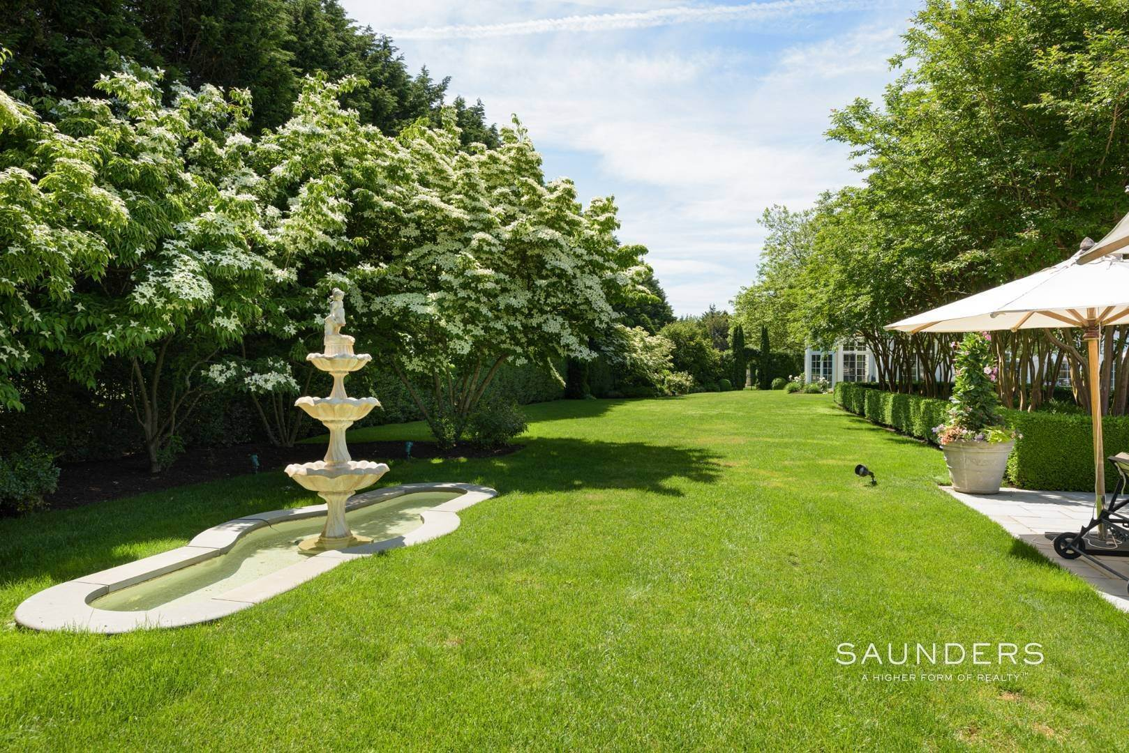 6. Single Family Homes at Magnificent Southampton Estate Southampton, Southampton Town, NY 11968
