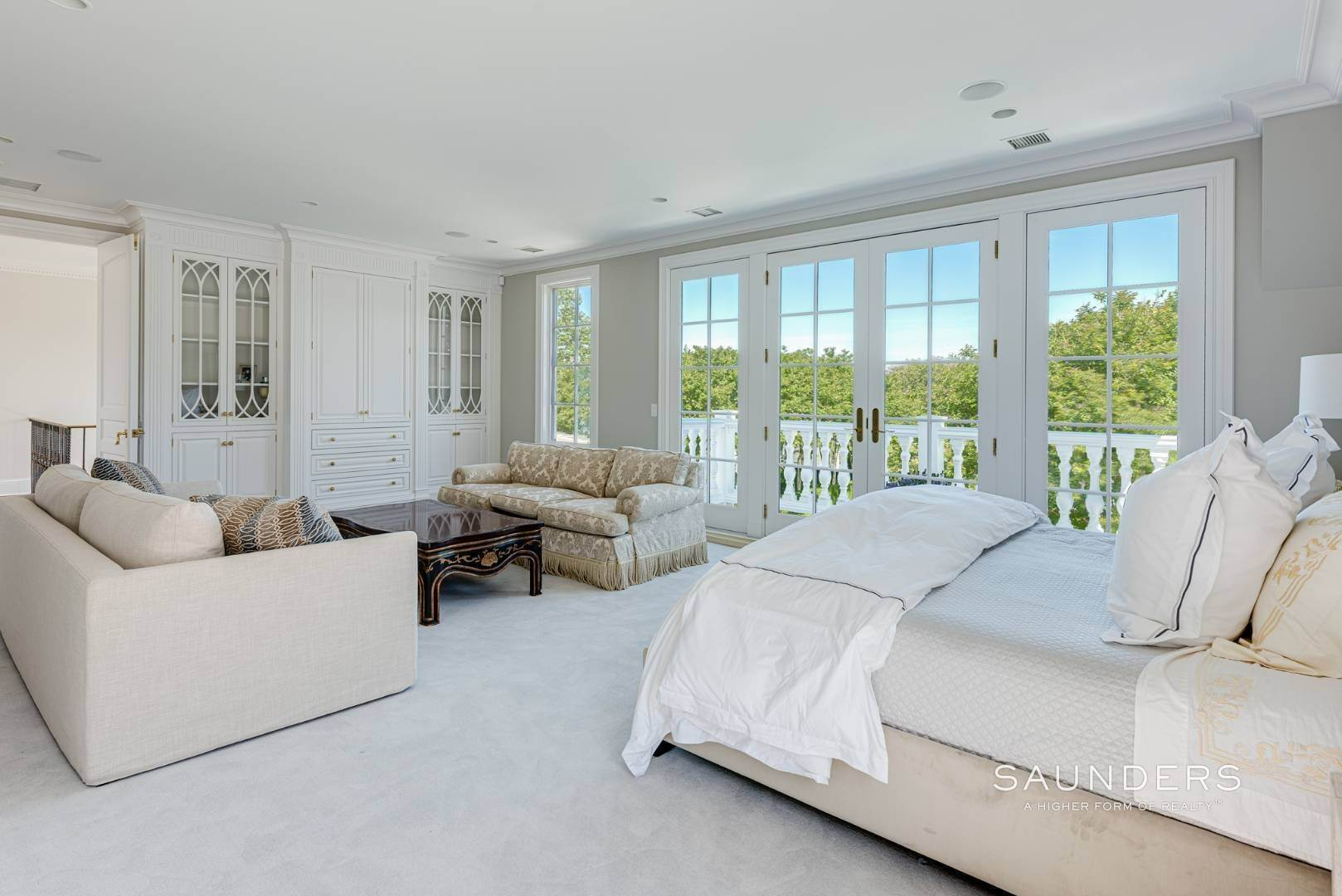 19. Single Family Homes at Magnificent Southampton Estate Southampton, Southampton Town, NY 11968