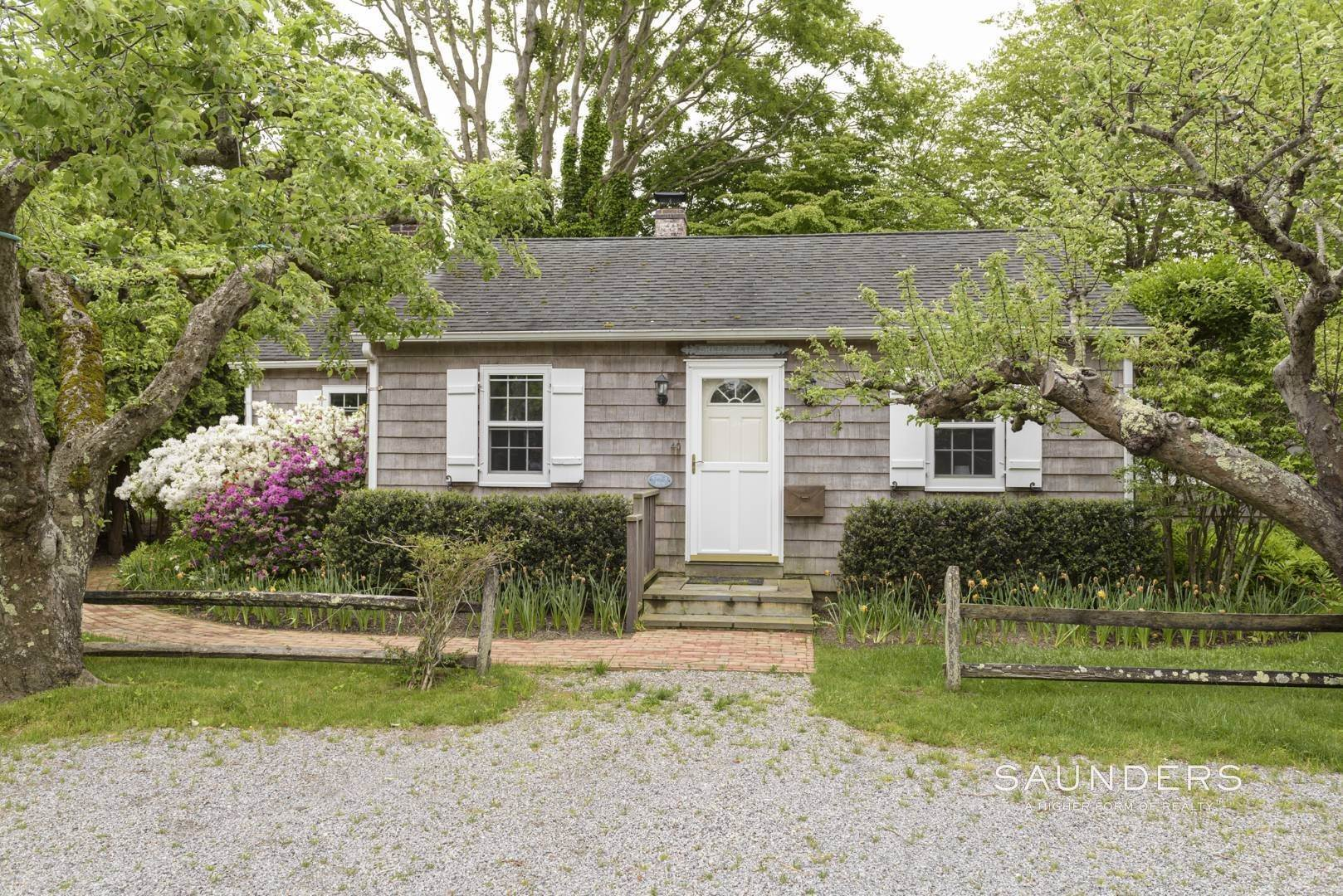 Single Family Homes for Sale at Charming East Hampton Village Cottage 40 The Circle, East Hampton, East Hampton Town, NY 11937