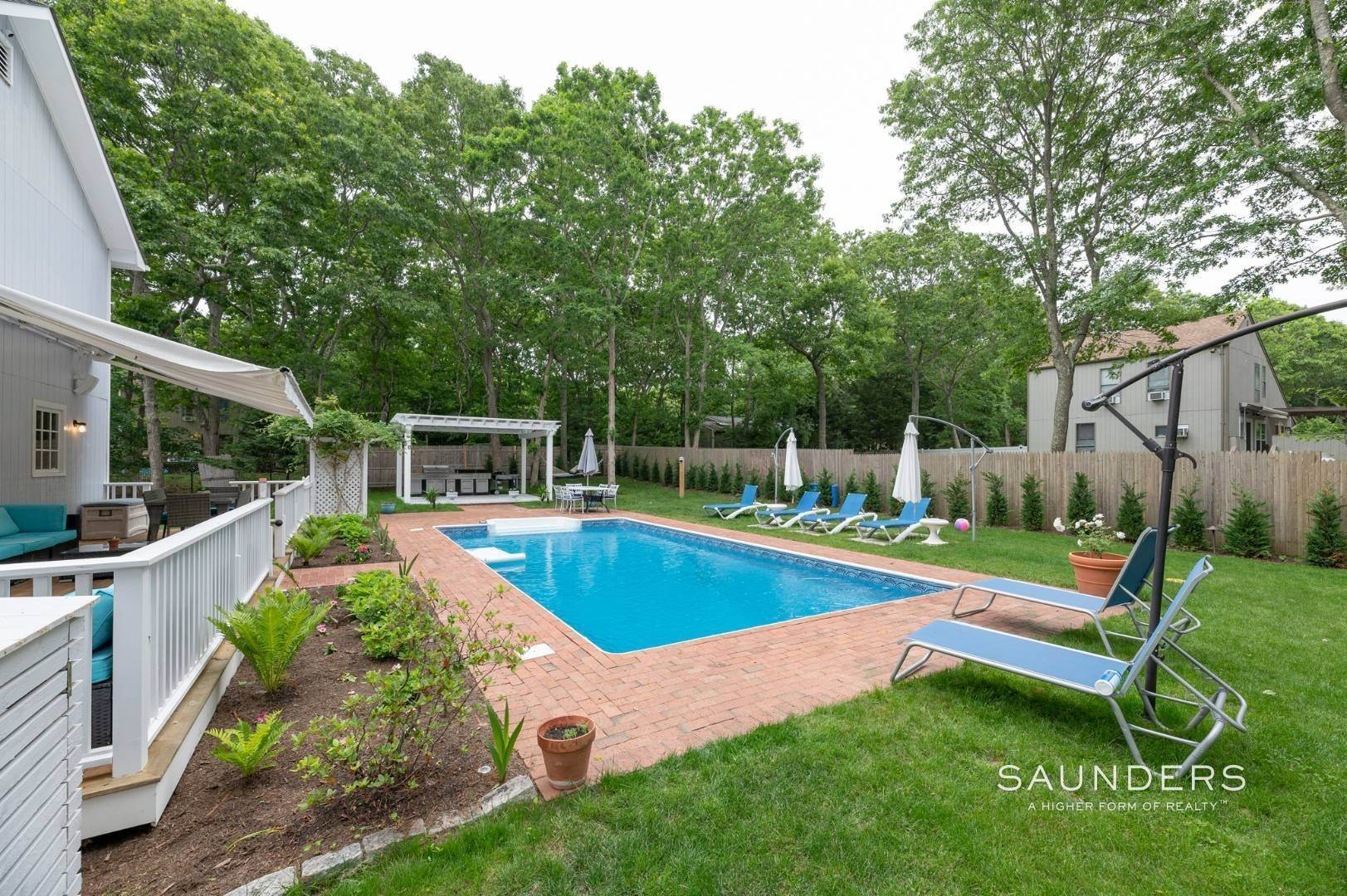 18. Single Family Homes at Renovated In Springs With Pool And Outdoor Entertaining 28 Ocean View Avenue, East Hampton, East Hampton Town, NY 11937