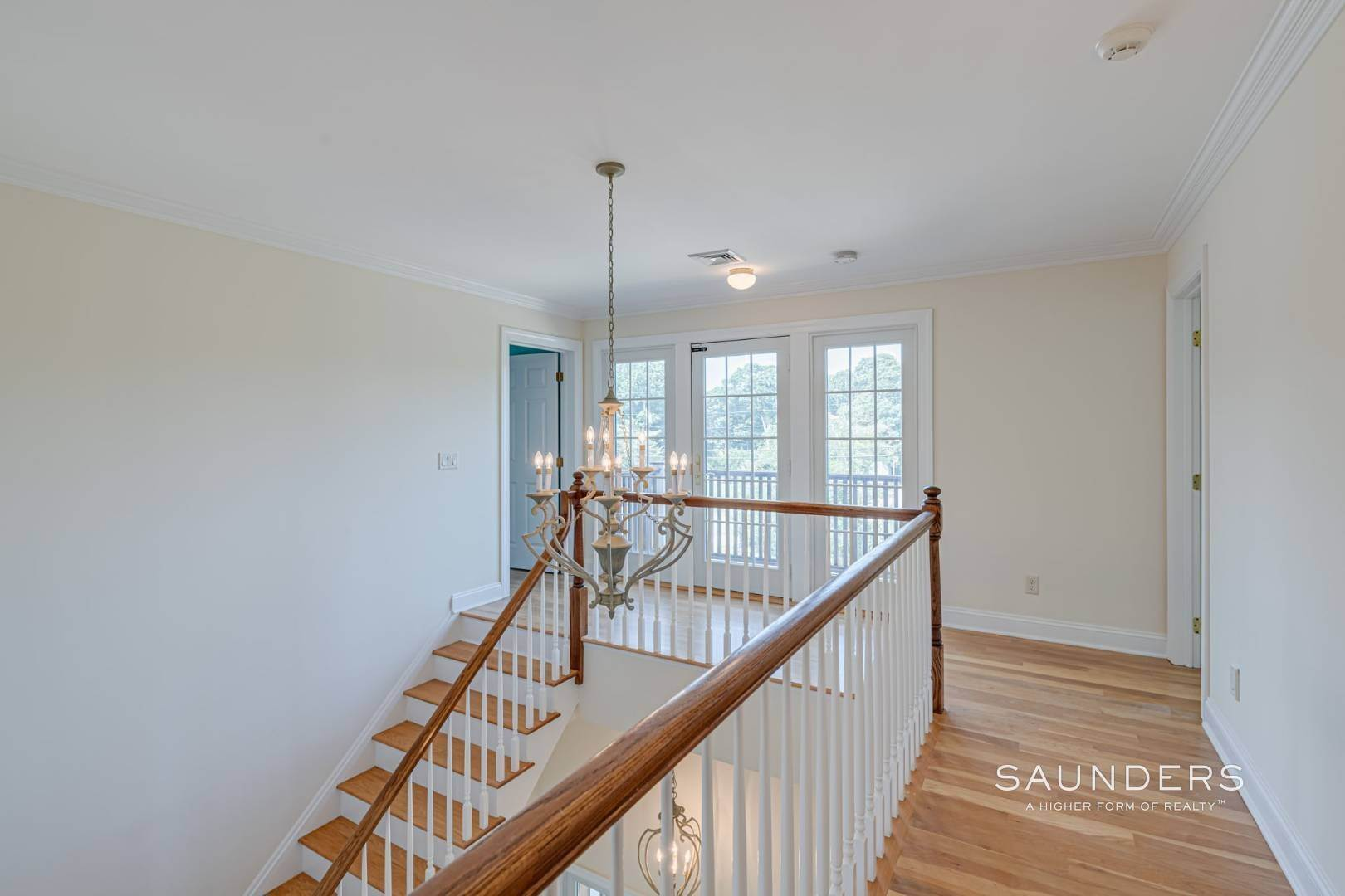 9. Single Family Homes for Sale at Turnkey In Southampton 20 Waters Edge Road, Southampton, Southampton Town, NY 11968