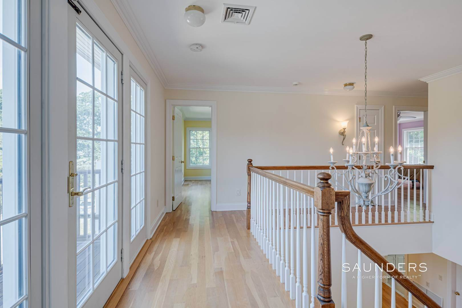10. Single Family Homes for Sale at Turnkey In Southampton 20 Waters Edge Road, Southampton, Southampton Town, NY 11968