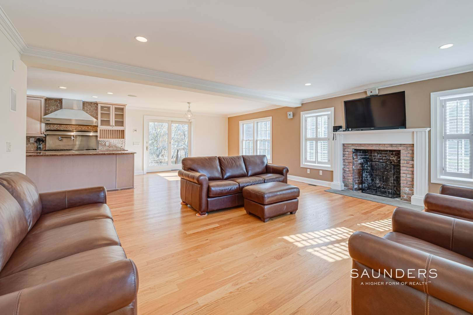 4. Single Family Homes for Sale at Turnkey In Southampton 20 Waters Edge Road, Southampton, Southampton Town, NY 11968