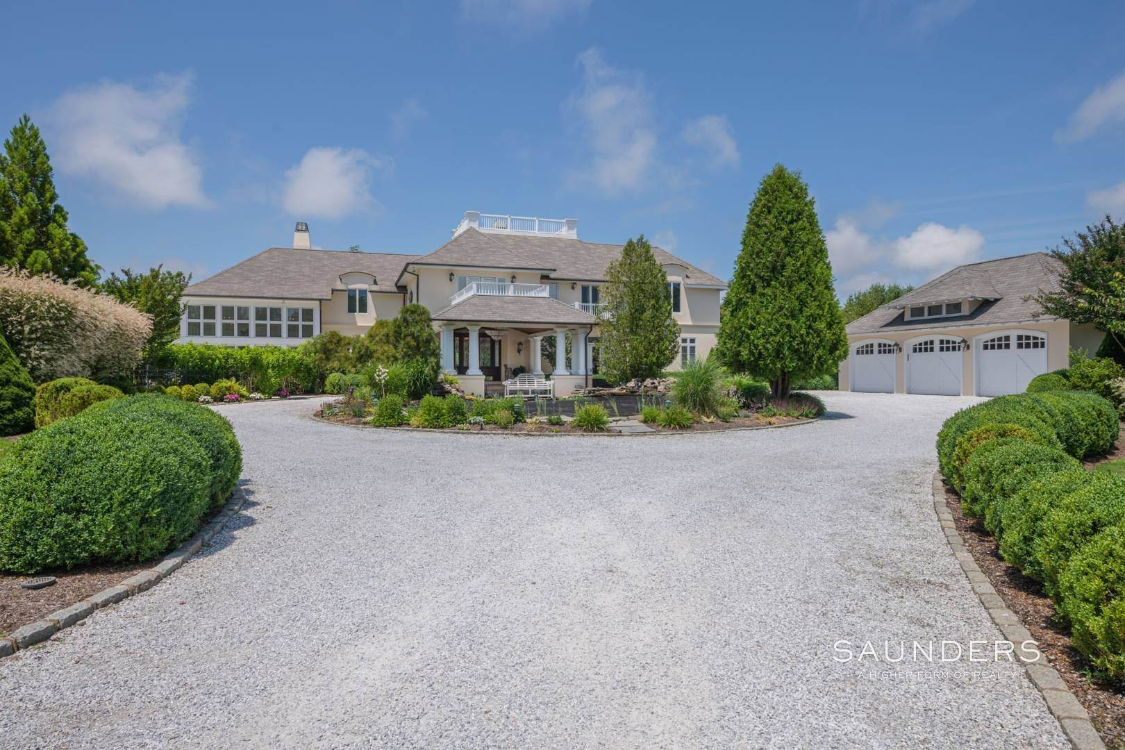 4. Single Family Homes for Sale at Elegant Classic Fordune Water Mill Estate 25 Fordune Court, Water Mill, Southampton Town, NY 11976