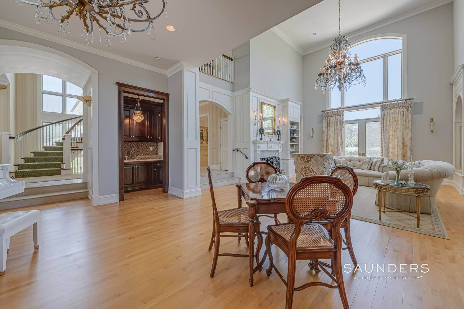 9. Single Family Homes for Sale at Elegant Classic Fordune Water Mill Estate 25 Fordune Court, Water Mill, Southampton Town, NY 11976
