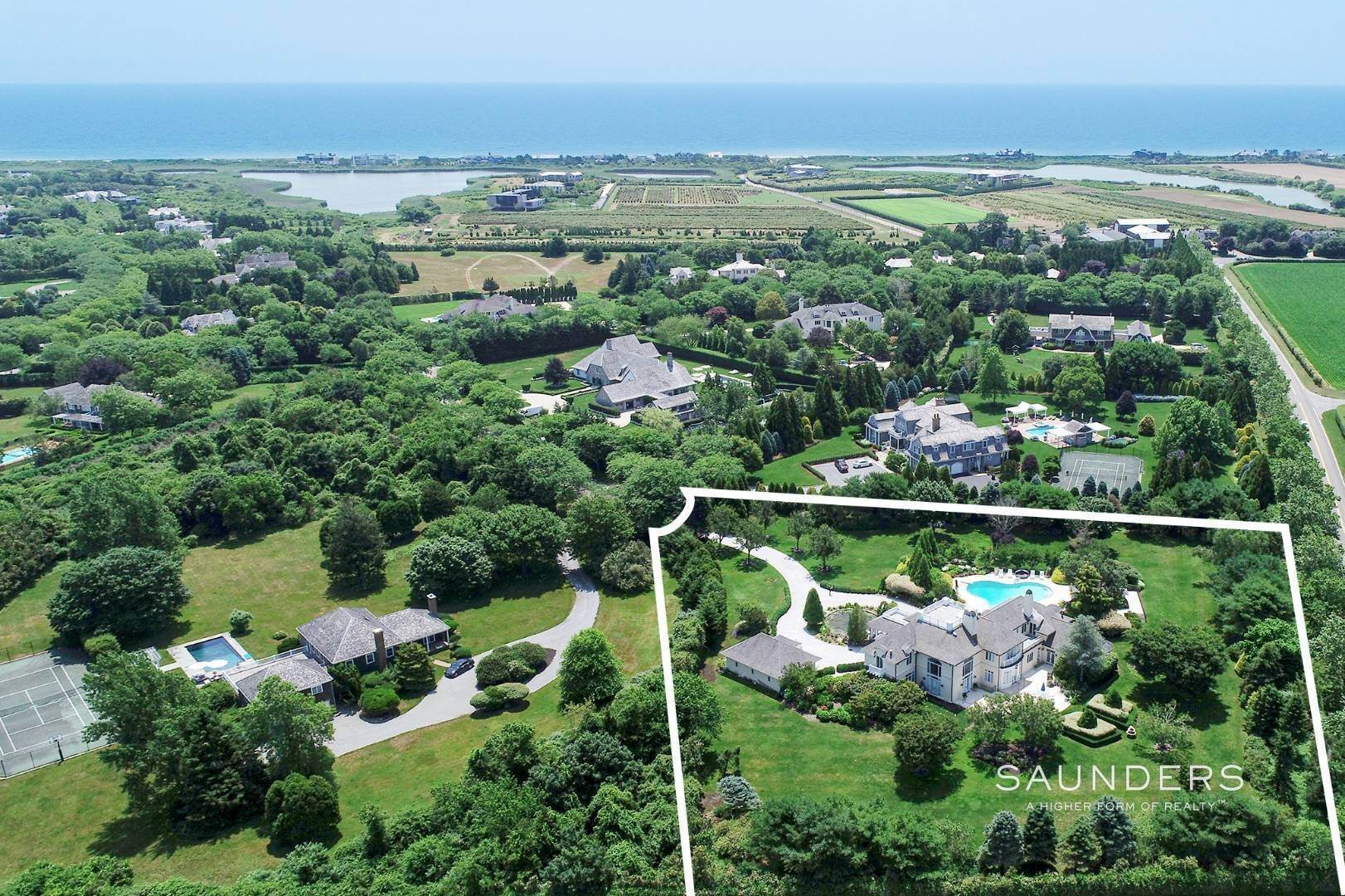38. Single Family Homes for Sale at Elegant Classic Fordune Water Mill Estate 25 Fordune Court, Water Mill, Southampton Town, NY 11976