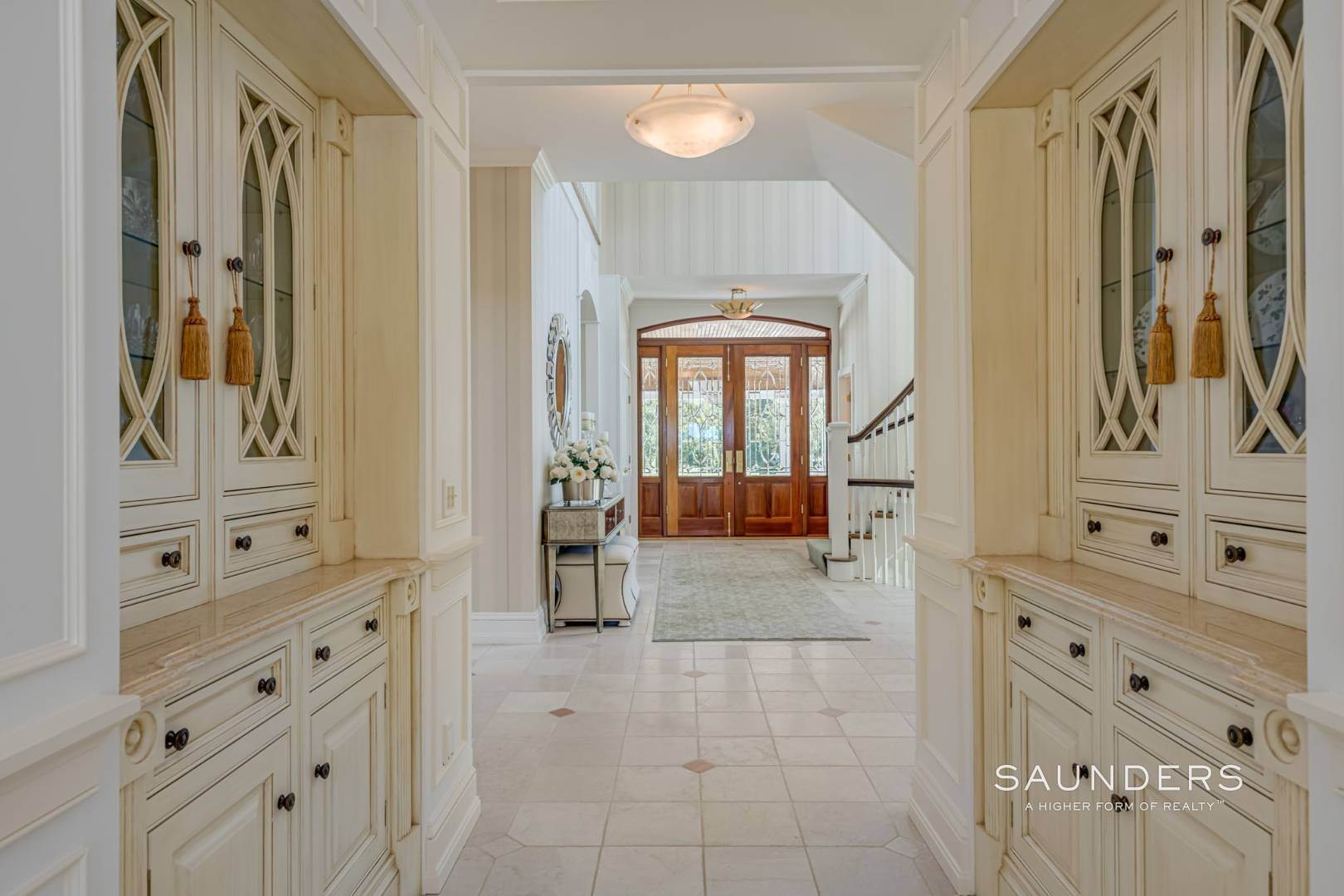 12. Single Family Homes for Sale at Elegant Classic Fordune Water Mill Estate 25 Fordune Court, Water Mill, Southampton Town, NY 11976