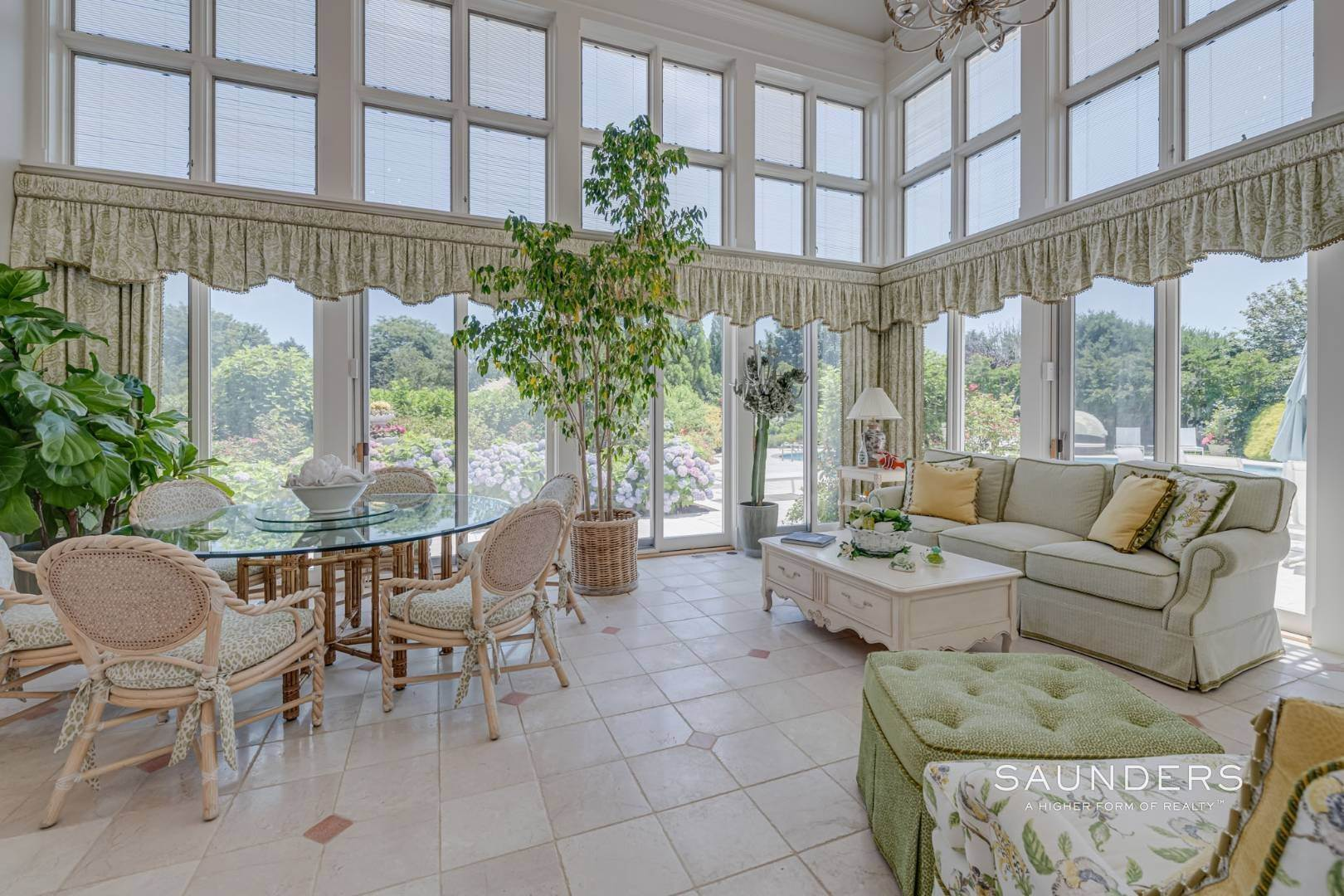 16. Single Family Homes for Sale at Elegant Classic Fordune Water Mill Estate 25 Fordune Court, Water Mill, Southampton Town, NY 11976