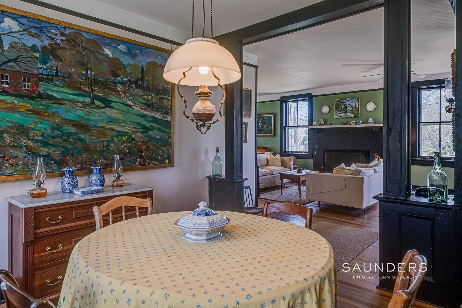 5. Single Family Homes at Charming Cottage By The Bay 2 Turtle Pond Road, Southampton, Southampton Town, NY 11968