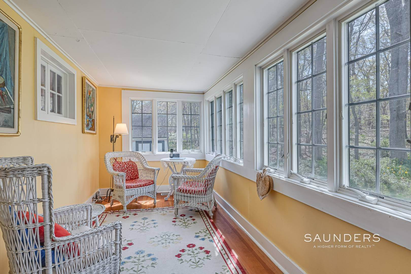 10. Single Family Homes at Charming Cottage By The Bay 2 Turtle Pond Road, Southampton, Southampton Town, NY 11968
