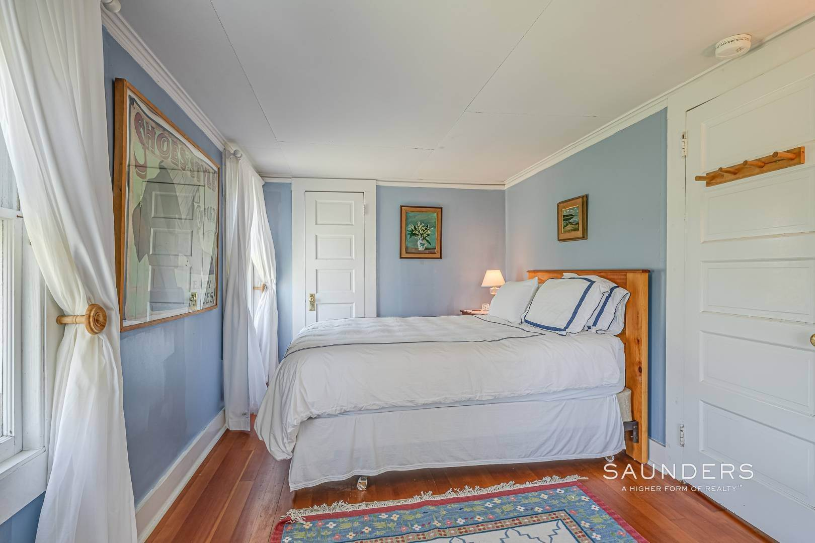 13. Single Family Homes at Charming Cottage By The Bay 2 Turtle Pond Road, Southampton, Southampton Town, NY 11968