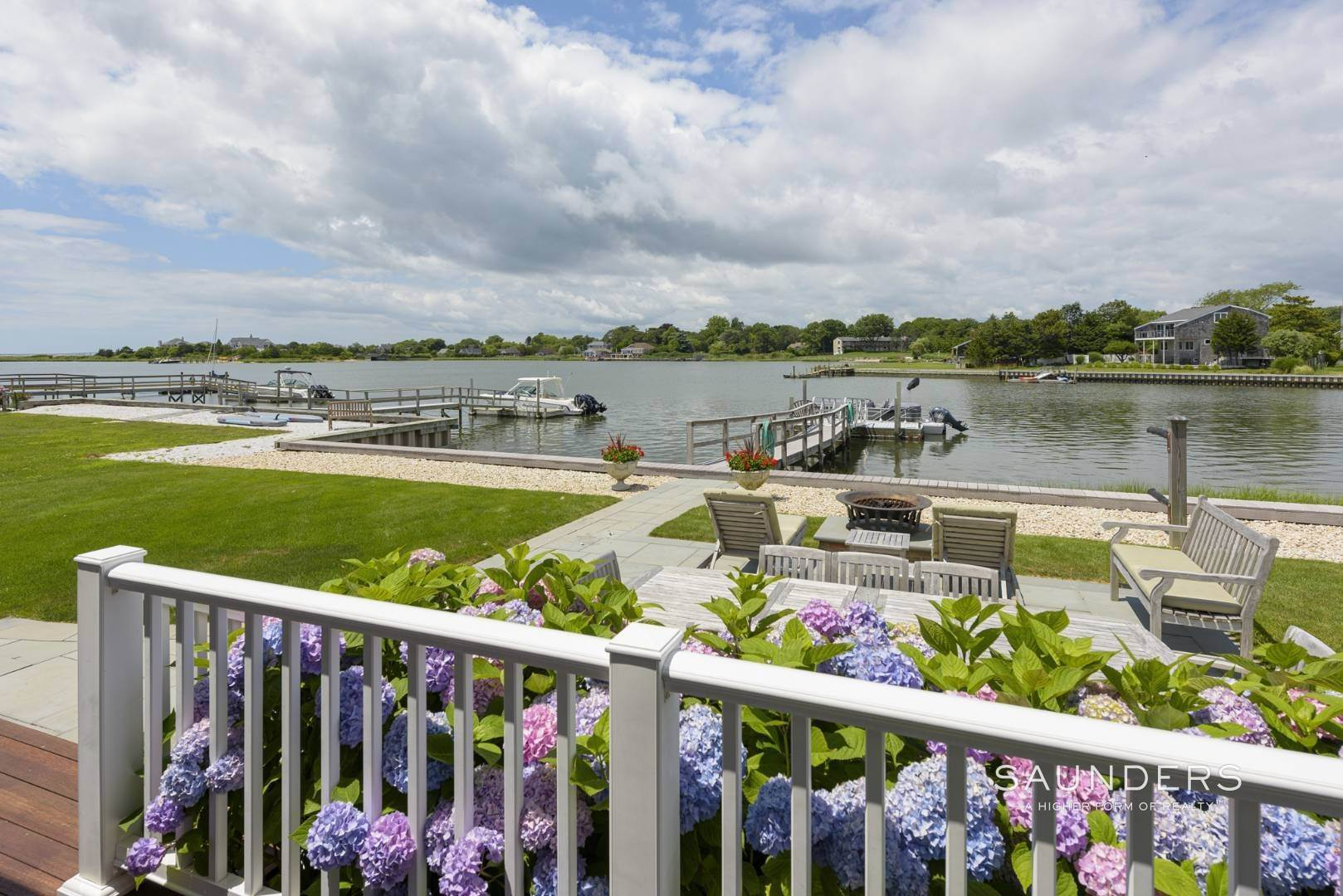 17. Single Family Homes for Sale at Southampton Waterfront With Dock 7 Middle Pond Lane, Southampton, Southampton Town, NY 11968