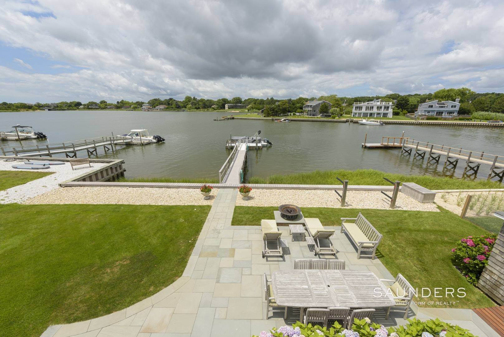 14. Single Family Homes for Sale at Southampton Waterfront With Dock 7 Middle Pond Lane, Southampton, Southampton Town, NY 11968