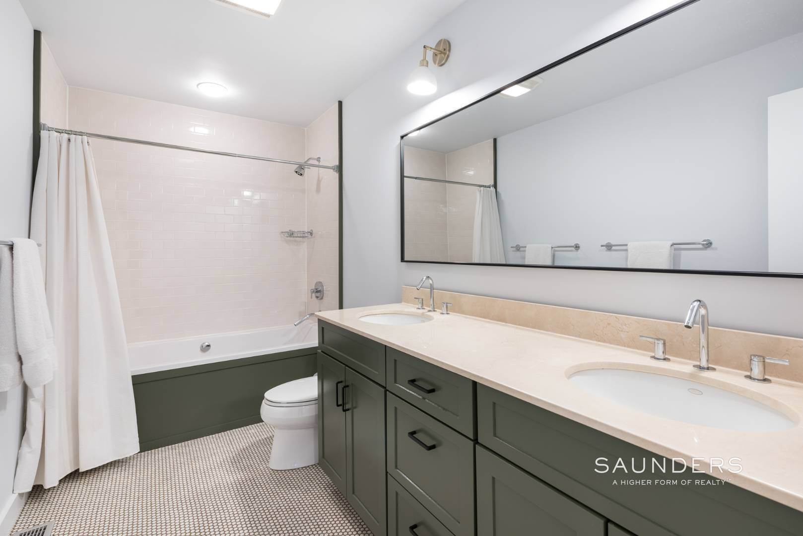 16. Single Family Homes for Sale at Sagaponack Impeccable Newly Renovated Contemporary 877 Sagg Road, Sagaponack, Southampton Town, NY 11962