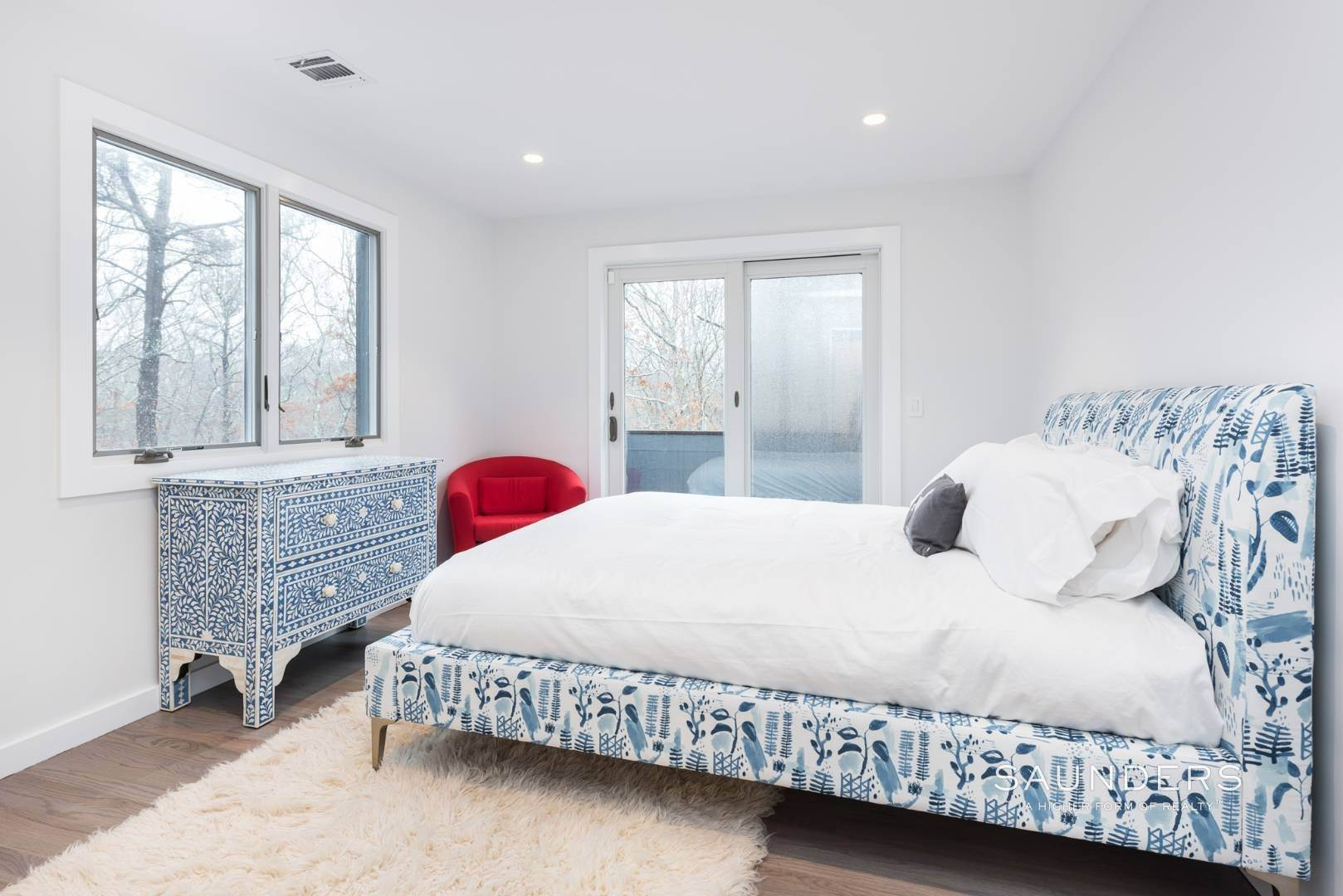 18. Single Family Homes for Sale at Sagaponack Impeccable Newly Renovated Contemporary 877 Sagg Road, Sagaponack, Southampton Town, NY 11962
