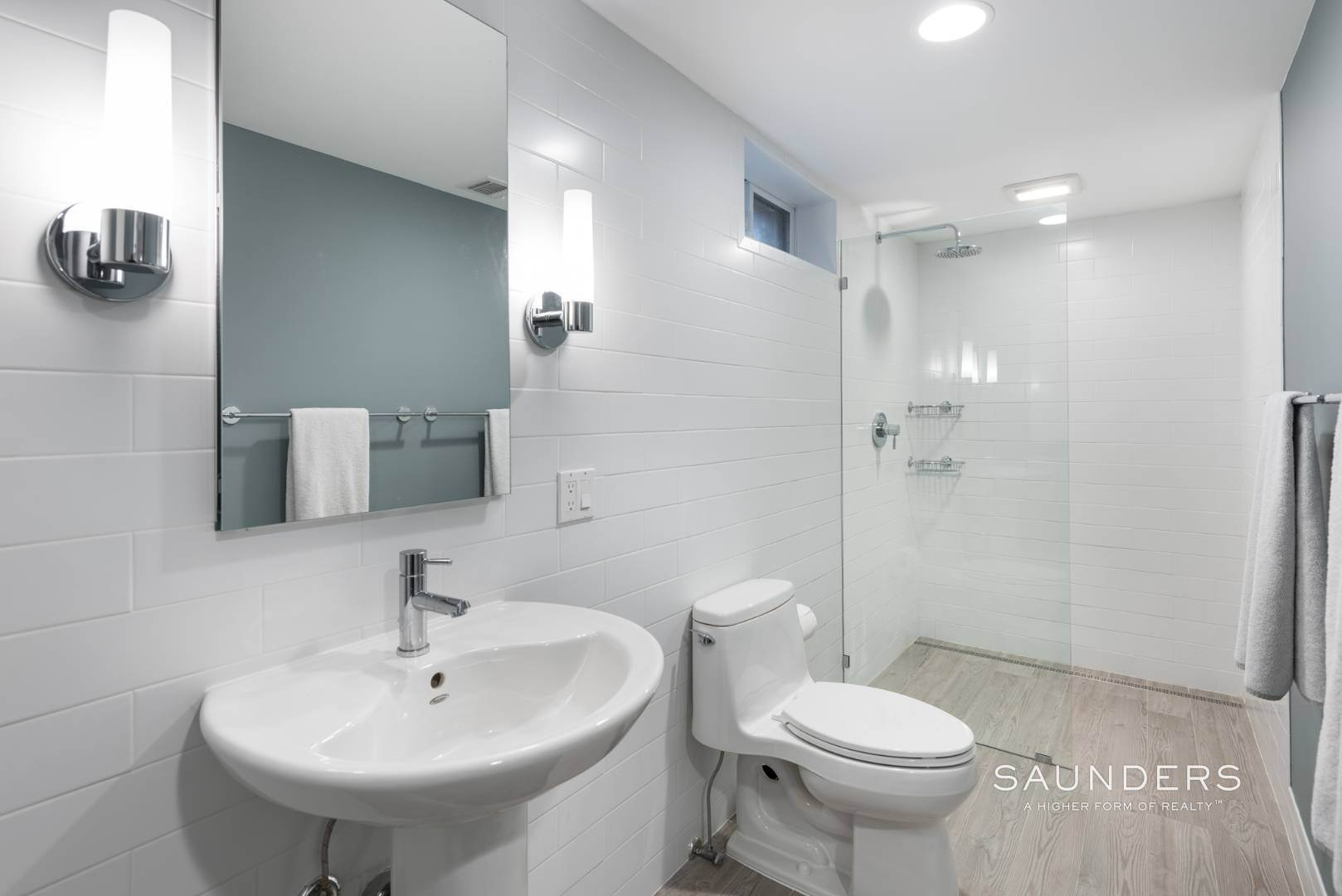 24. Single Family Homes for Sale at Sagaponack Impeccable Newly Renovated Contemporary 877 Sagg Road, Sagaponack, Southampton Town, NY 11962