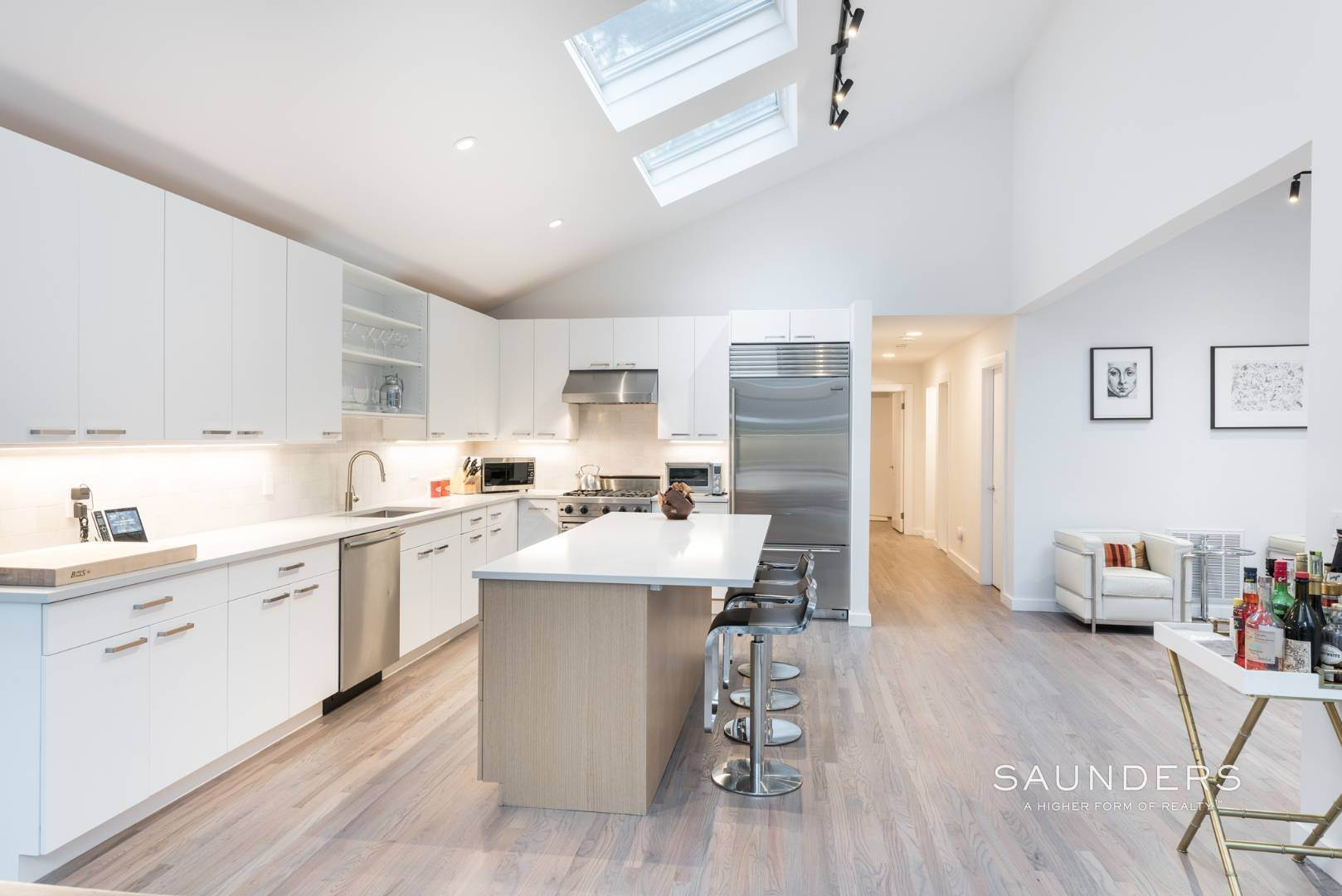 9. Single Family Homes for Sale at Sagaponack Impeccable Newly Renovated Contemporary 877 Sagg Road, Sagaponack, Southampton Town, NY 11962