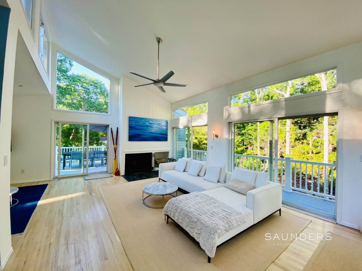 3. Single Family Homes at Modern, Renovated Beauty In NW East Hampton East Hampton, East Hampton Town, NY 11937