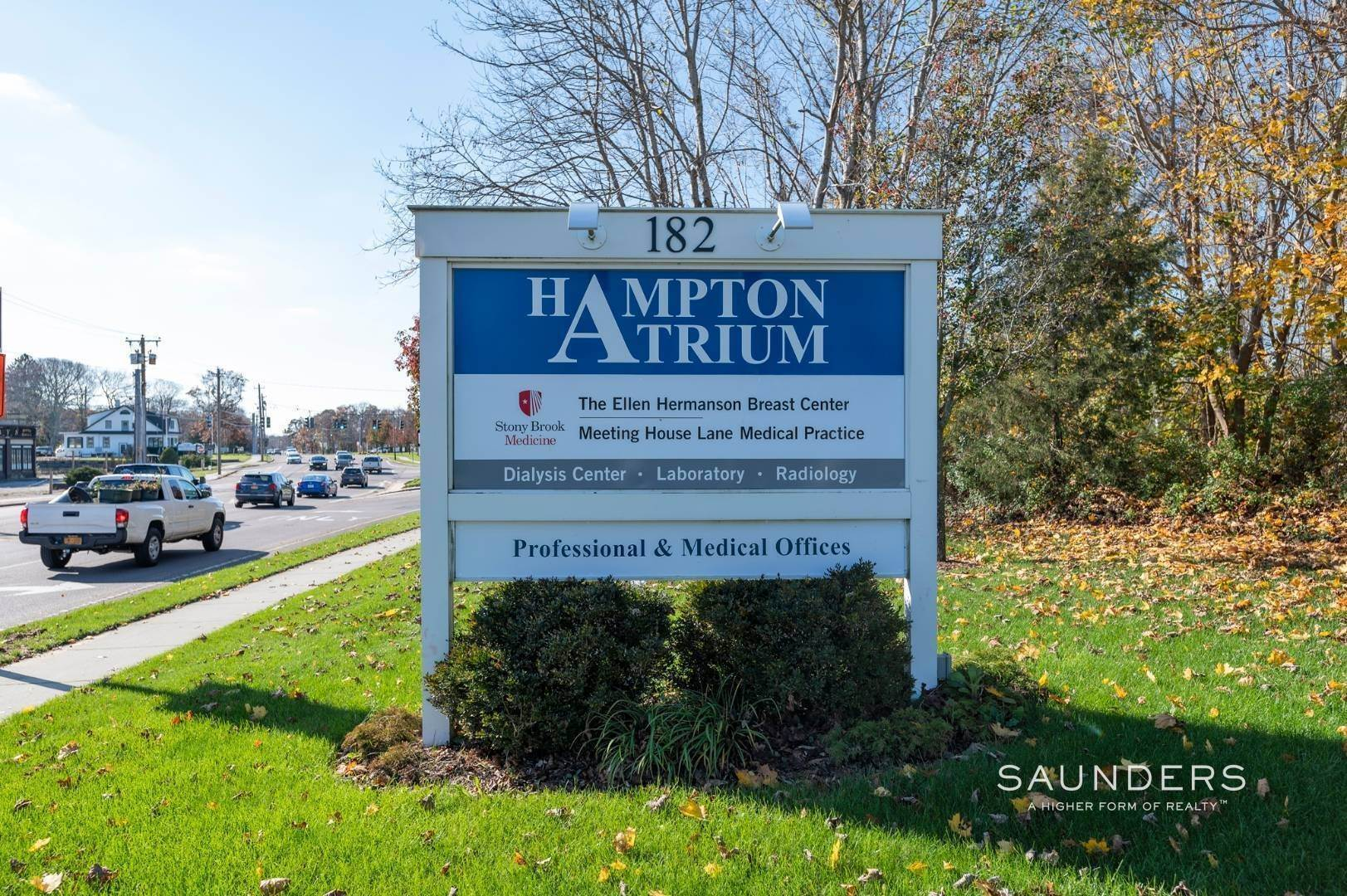 5. Commercial for Sale at Hampton Bays Office Condominium 186 West Montauk Highway, Unit D11, Hampton Bays, Southampton Town, NY 11946