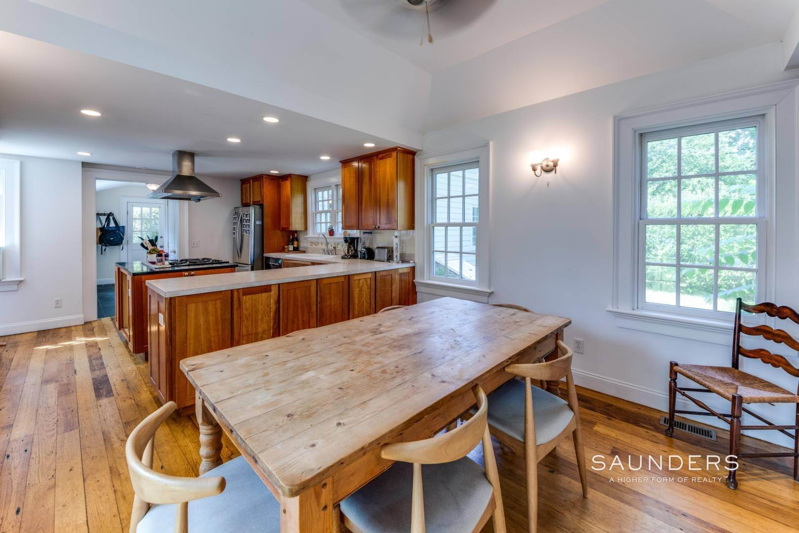 9. Single Family Homes at Bridgehampton Village 189 Lumber Lane, Bridgehampton, Southampton Town, NY 11932