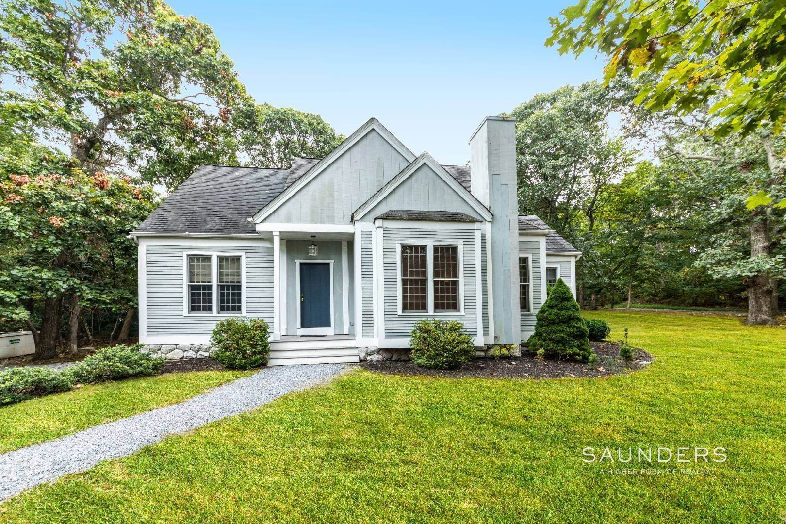 Single Family Homes for Sale at North Haven- New To Market In North Haven Manor 3 Cedar Avenue (Mailbox Says 2 Actors Colony ), Sag Harbor, Southampton Town, NY 11963