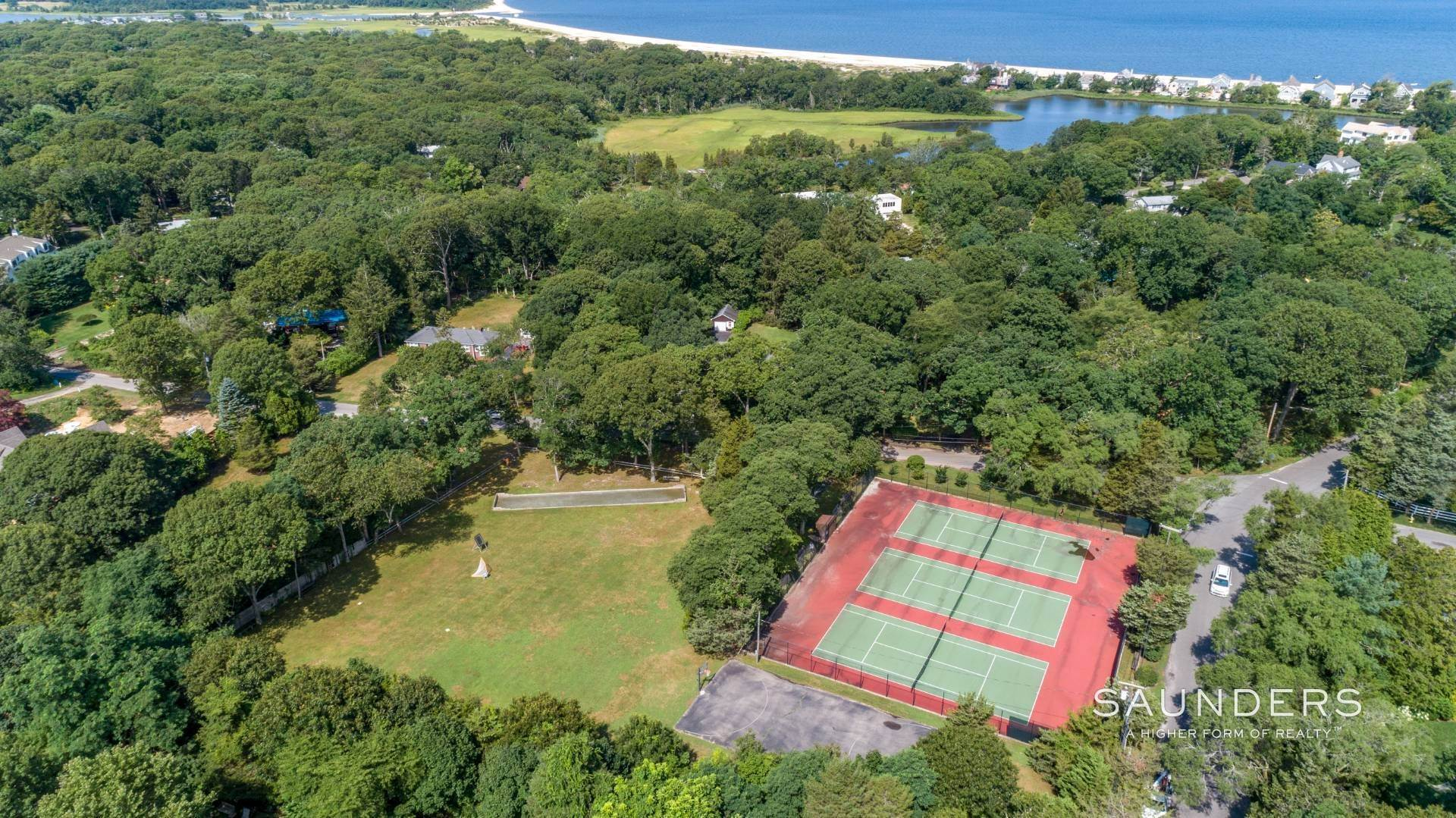 25. Single Family Homes for Sale at Private Beach, Tennis, Pool And Beautiful Grounds 4 Scott's Landing Road, Southampton, Southampton Town, NY 11968
