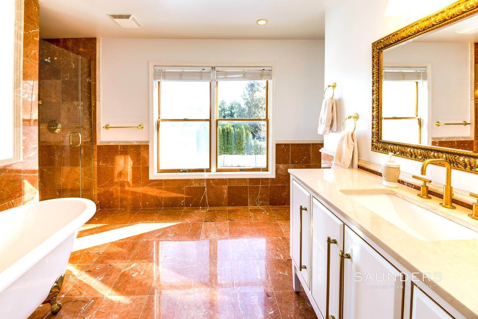 18. Single Family Homes for Sale at Village Edge Traditional 19 Boxwood Street, East Hampton, East Hampton Town, NY 11937