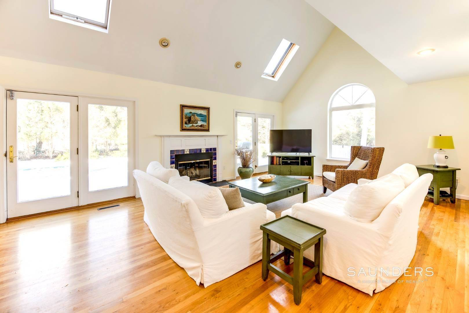 4. Single Family Homes for Sale at Village Edge Traditional 19 Boxwood Street, East Hampton, East Hampton Town, NY 11937