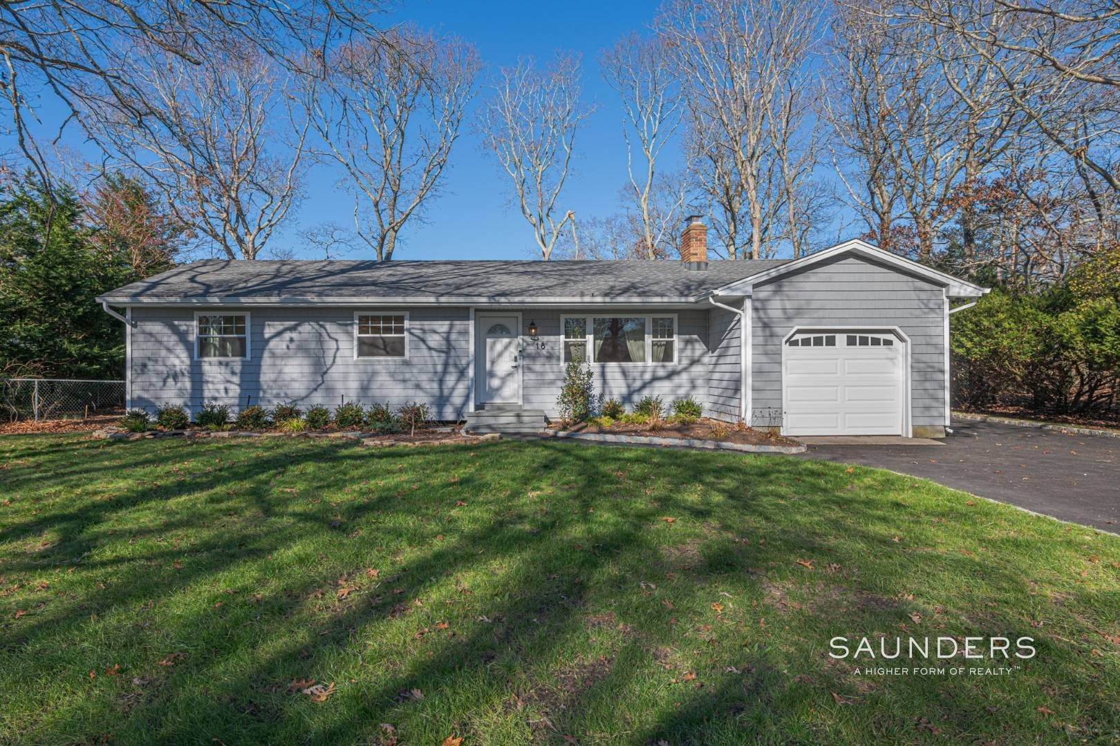 1. Single Family Homes at Hampton Bays Beauty 18 Yale Drive, Hampton Bays, NY 11946