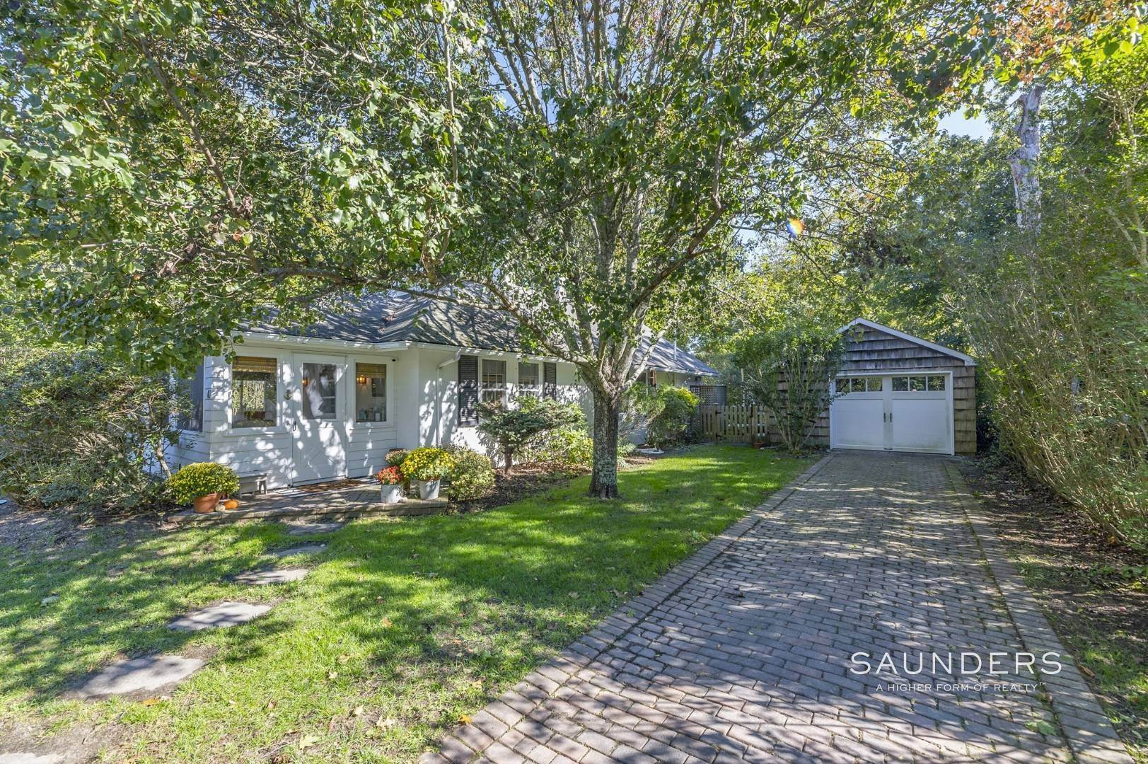 2. Single Family Homes for Sale at Turnkey Quogue South Cottage With All Modern Amenities 20 Lamb Avenue, Quogue Village, Southampton Town, NY 11959