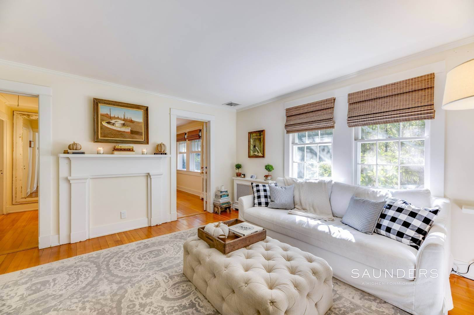 5. Single Family Homes for Sale at Turnkey Quogue South Cottage With All Modern Amenities 20 Lamb Avenue, Quogue Village, Southampton Town, NY 11959