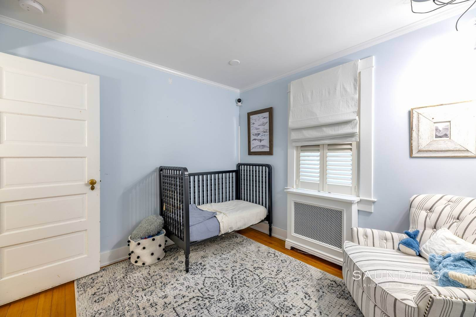 12. Single Family Homes for Sale at Turnkey Quogue South Cottage With All Modern Amenities 20 Lamb Avenue, Quogue Village, Southampton Town, NY 11959