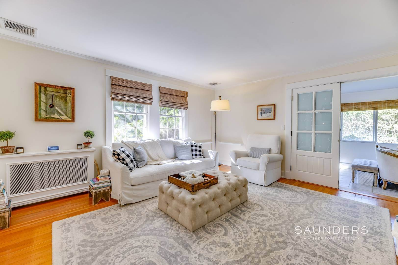 6. Single Family Homes for Sale at Turnkey Quogue South Cottage With All Modern Amenities 20 Lamb Avenue, Quogue Village, Southampton Town, NY 11959