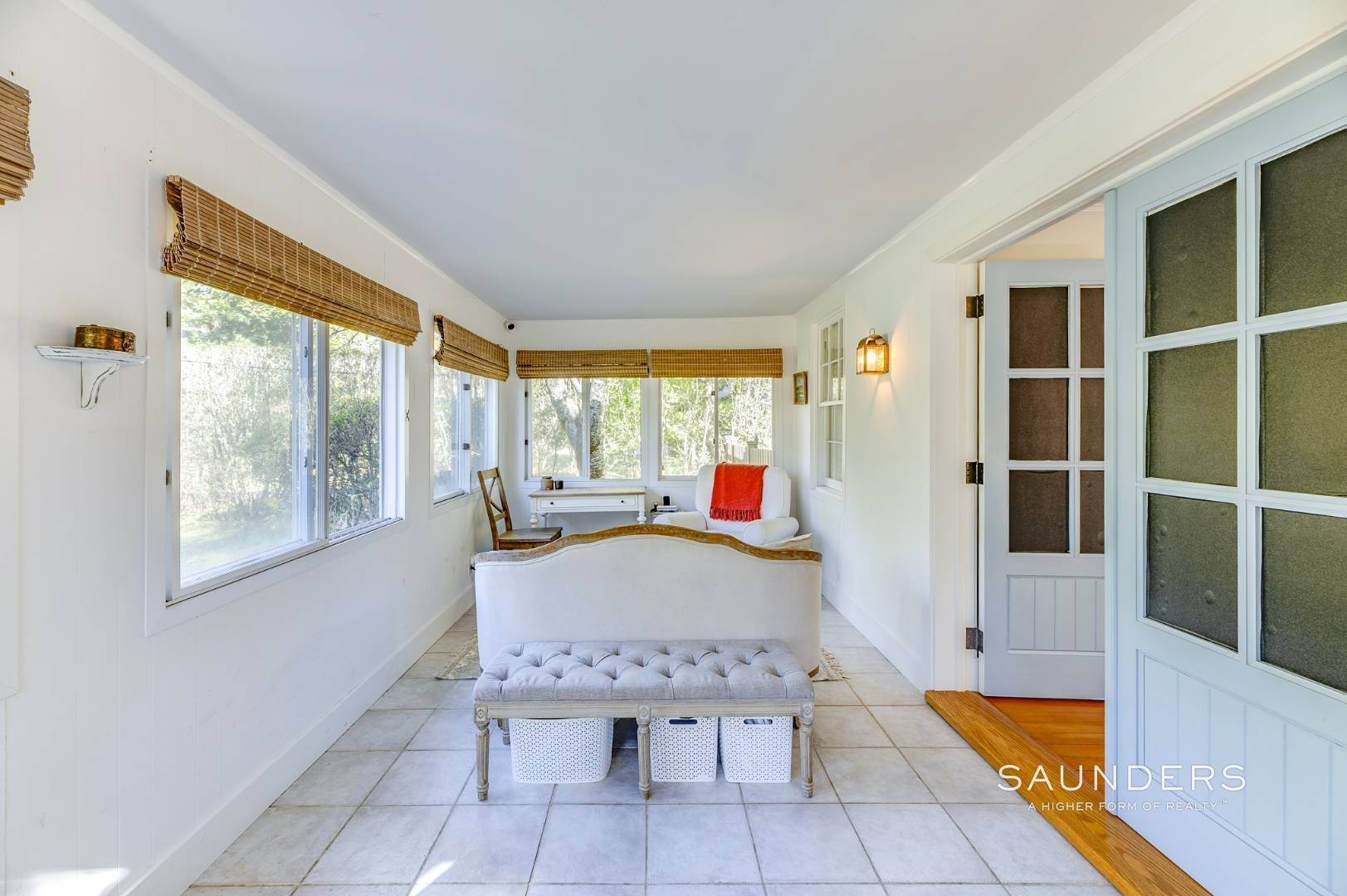 4. Single Family Homes for Sale at Turnkey Quogue South Cottage With All Modern Amenities 20 Lamb Avenue, Quogue Village, Southampton Town, NY 11959