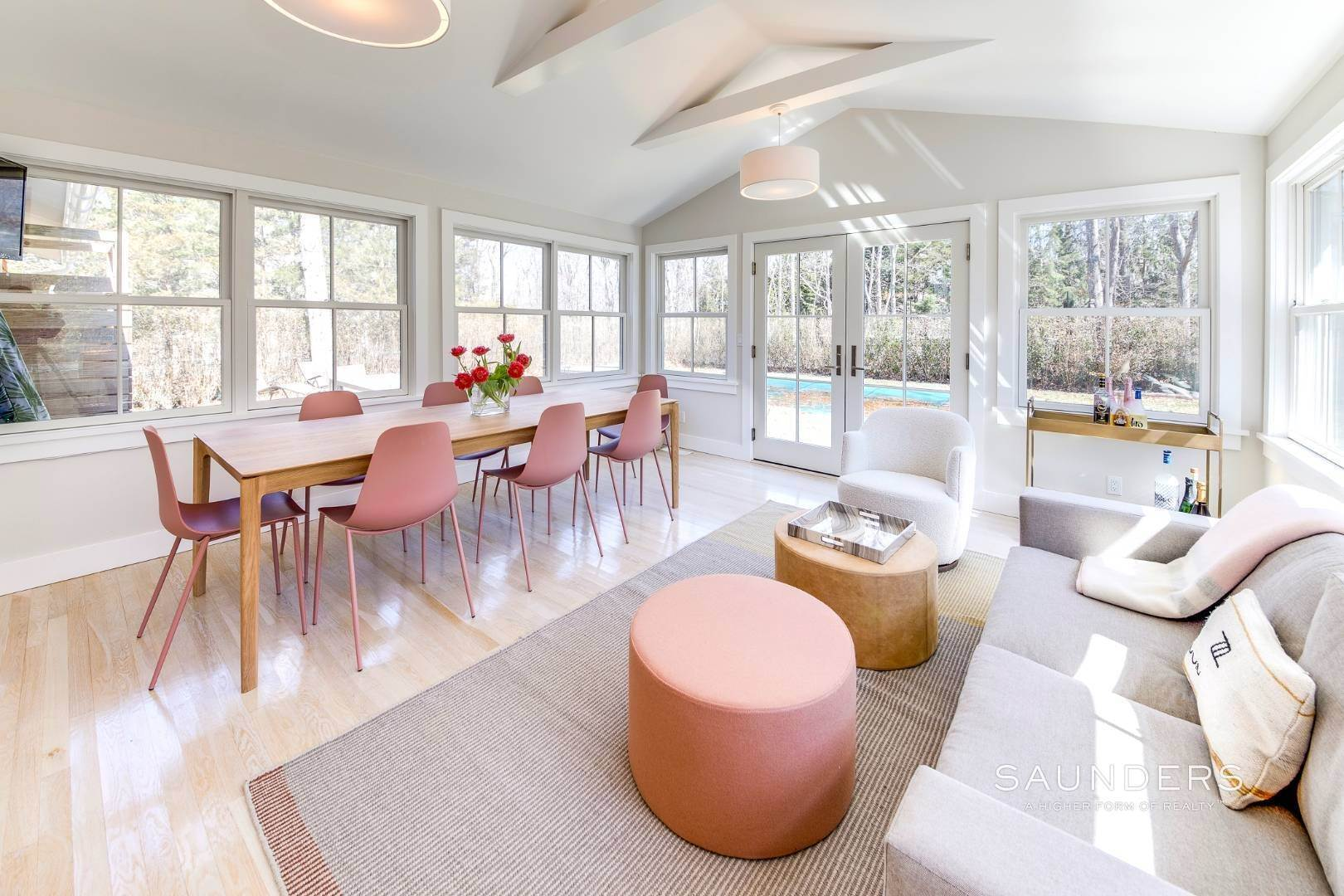 11. Single Family Homes at Summer In Style 38 Oak Drive, Sag Harbor, Southampton Town, NY 11963