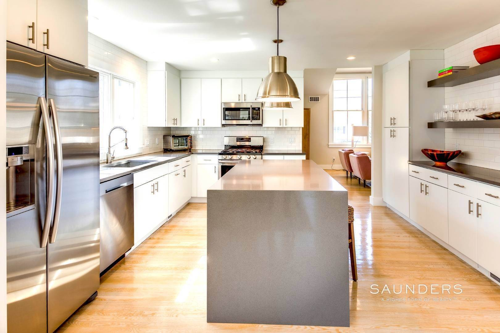 10. Single Family Homes at Summer In Style 38 Oak Drive, Sag Harbor, Southampton Town, NY 11963