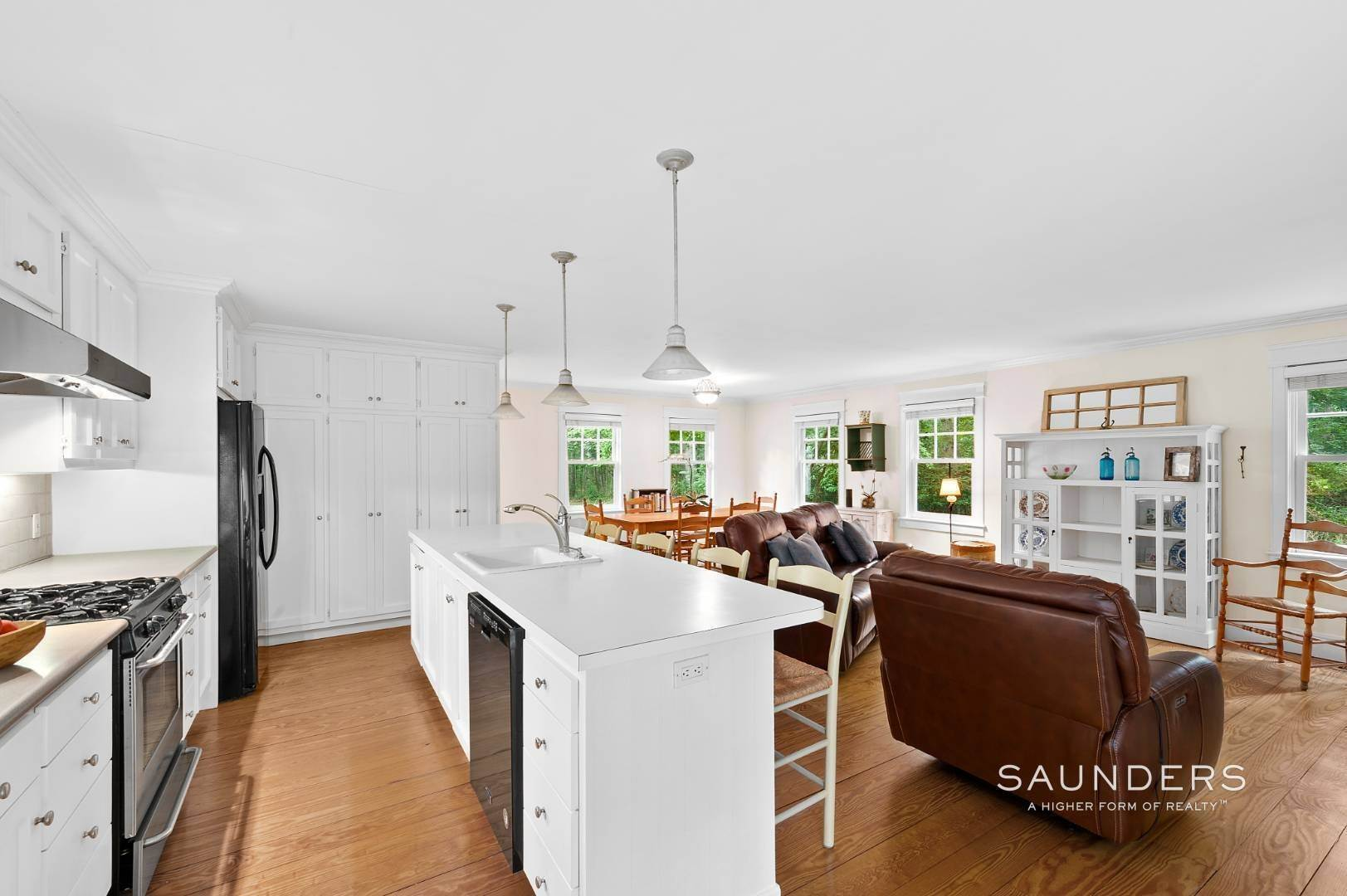 3. Single Family Homes for Sale at Charming Traditional Minutes From Village 10 Garbis Lane, East Hampton, East Hampton Town, NY 11937