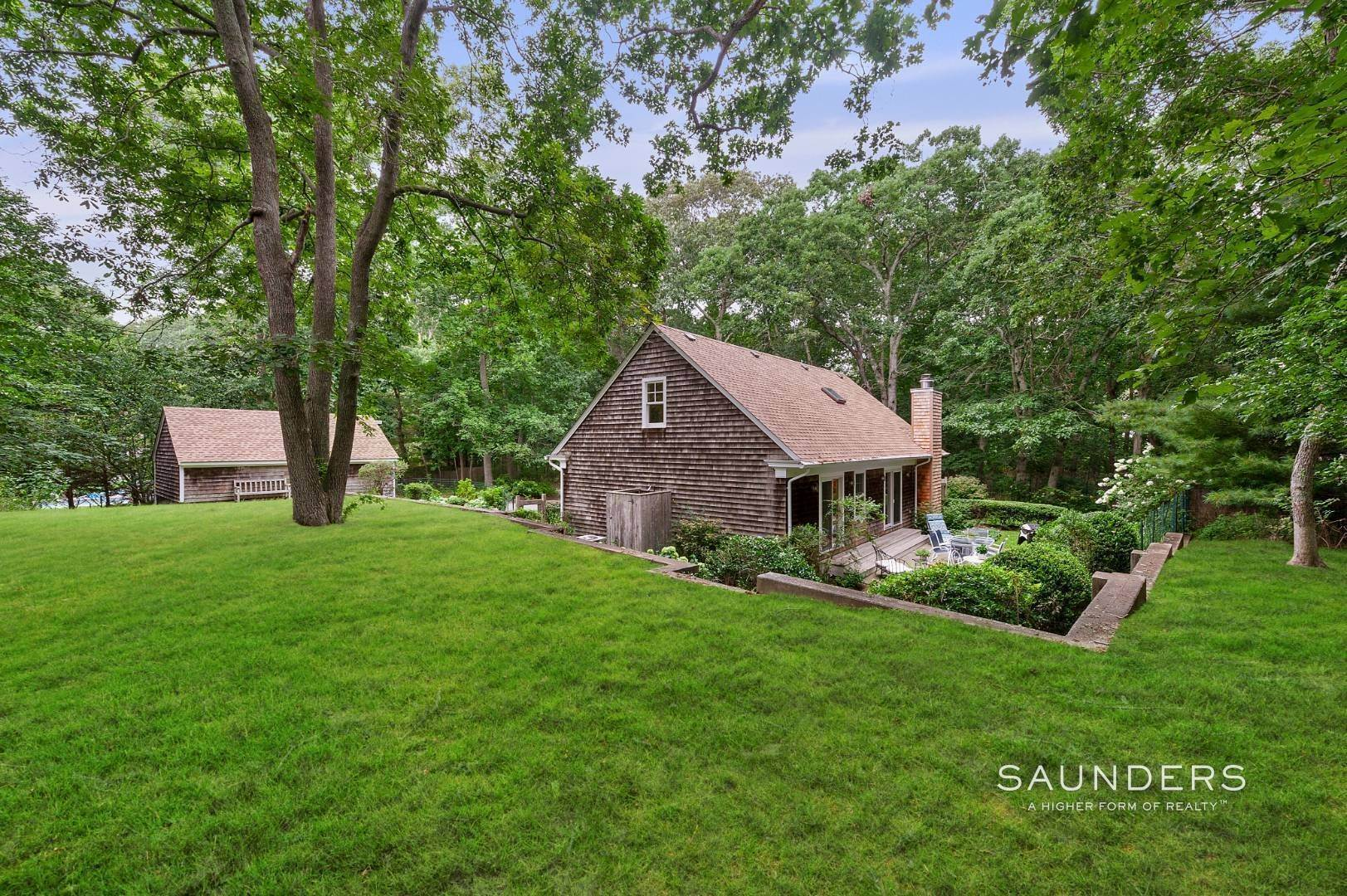 Single Family Homes for Sale at Charming Traditional Minutes From Village 10 Garbis Lane, East Hampton, East Hampton Town, NY 11937