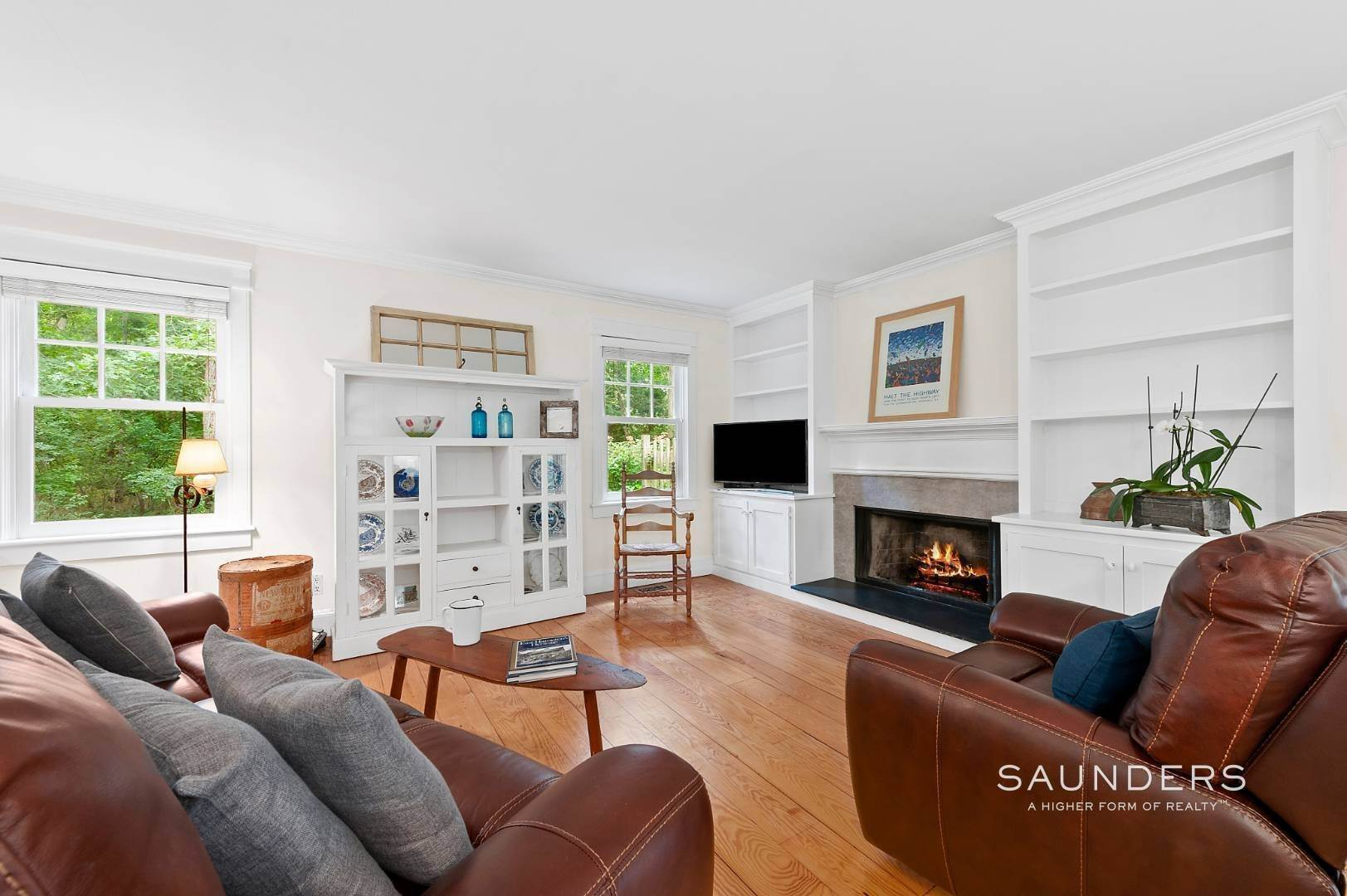 5. Single Family Homes for Sale at Charming Traditional Minutes From Village 10 Garbis Lane, East Hampton, East Hampton Town, NY 11937