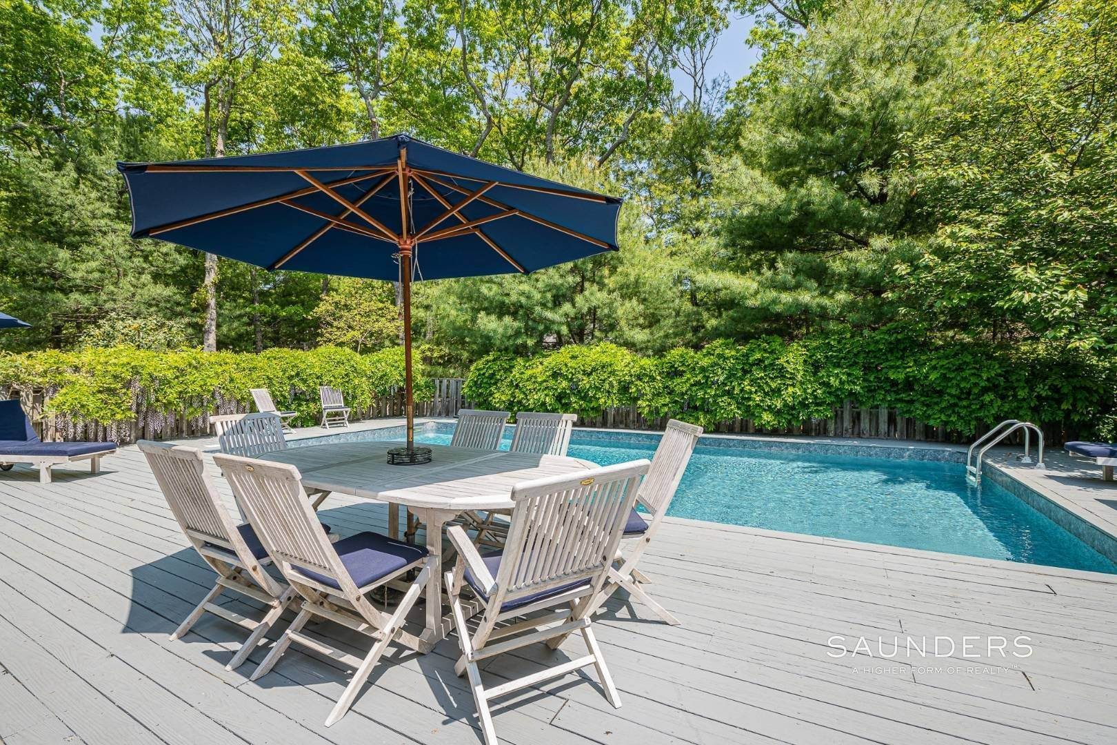 18. Single Family Homes for Sale at Beach House By The Bay 31 Long Woods Lane, East Hampton, East Hampton Town, NY 11937