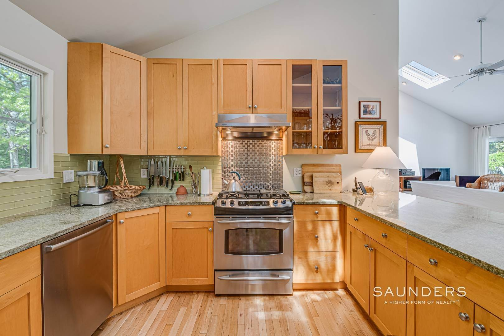11. Single Family Homes for Sale at Beach House By The Bay 31 Long Woods Lane, East Hampton, East Hampton Town, NY 11937