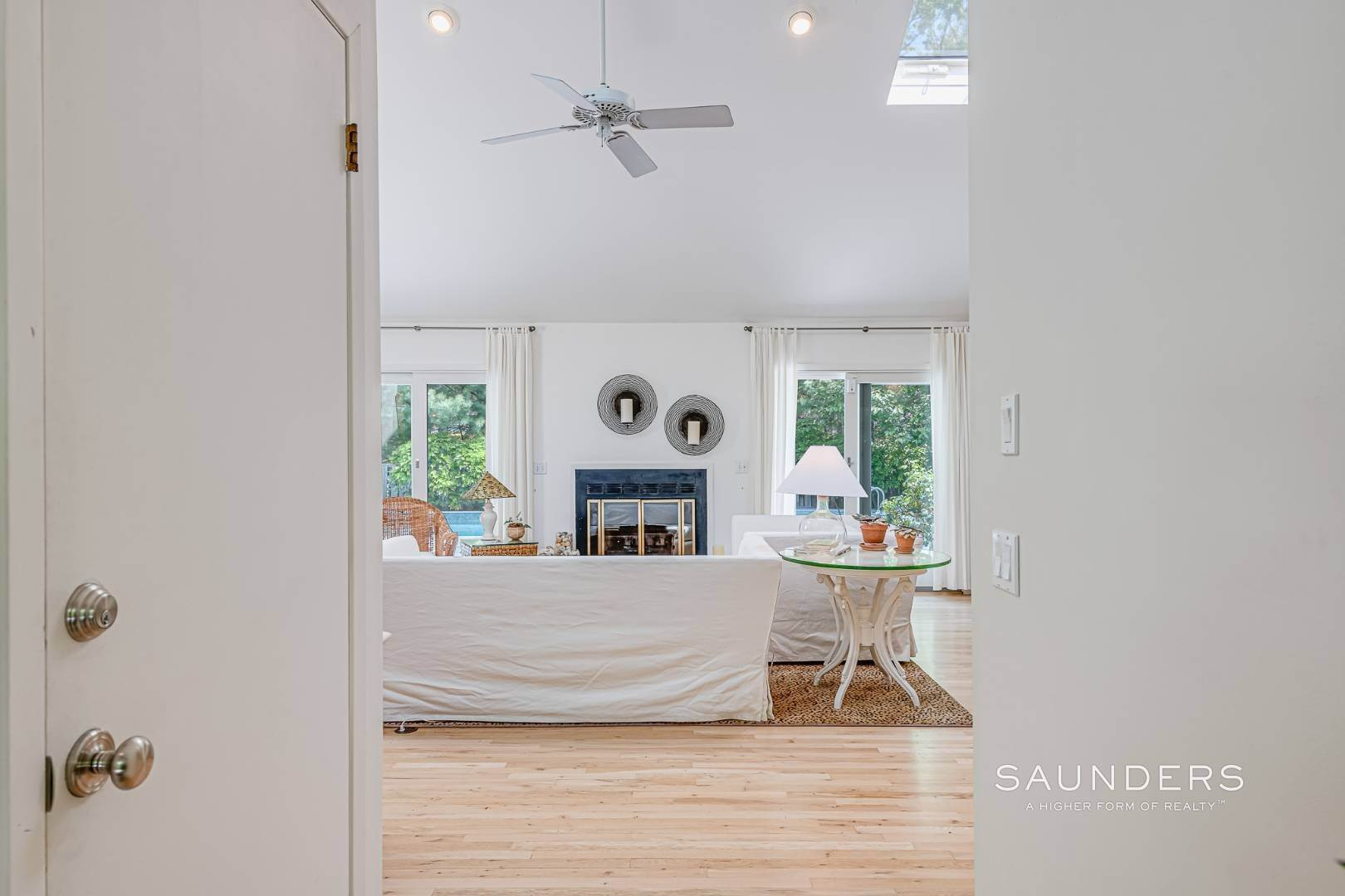 5. Single Family Homes for Sale at Beach House By The Bay 31 Long Woods Lane, East Hampton, East Hampton Town, NY 11937